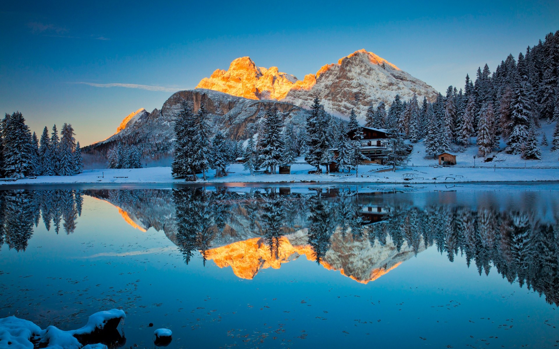 Reflections In Lake Misurina Wallpaper Full Hd Id1112