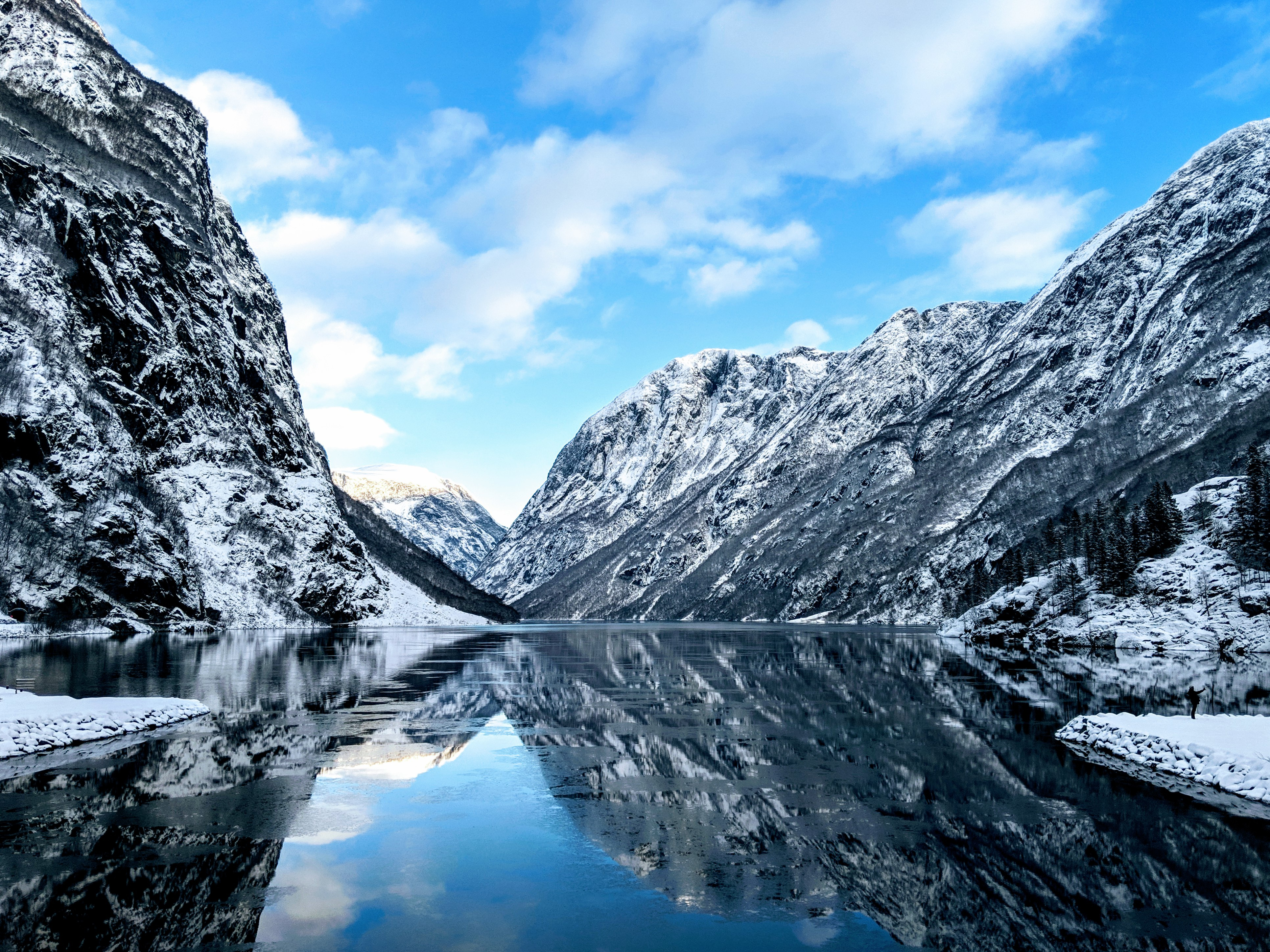 Norway River Between Mountains Wallpaper Id 3295