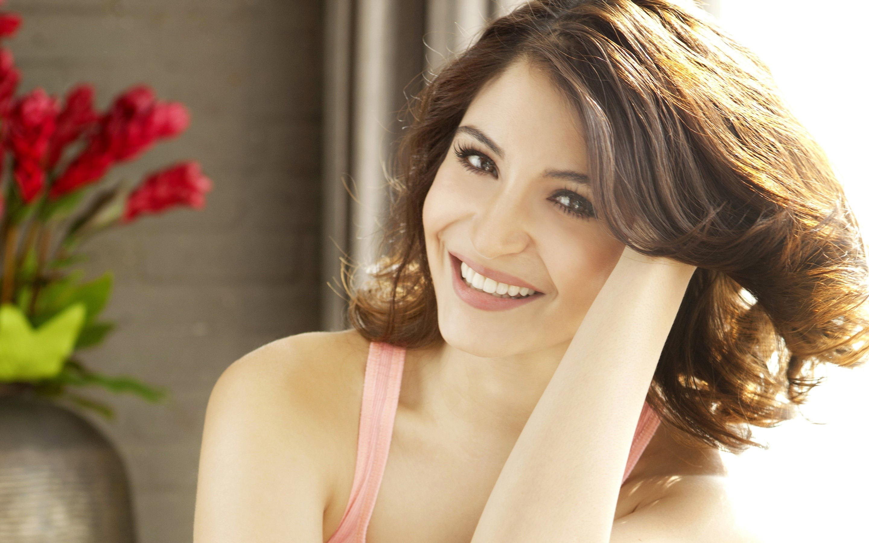 Wallpaper Bollywood actress Anushka Sharma