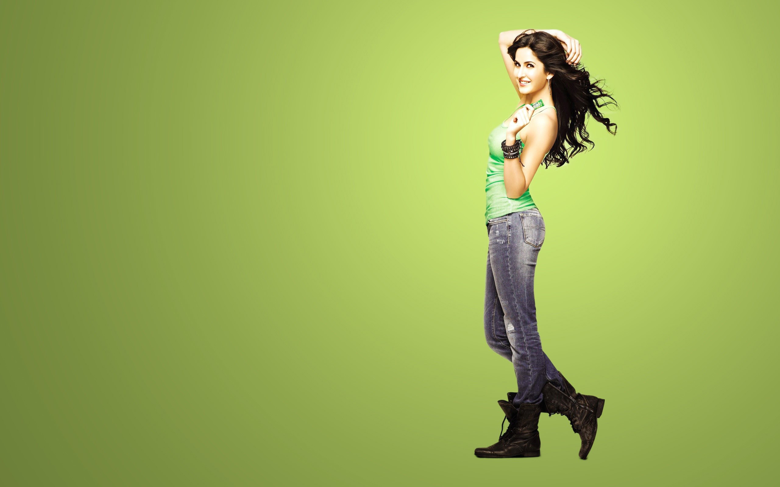Wallpaper Bollywood actress Katrina Kaif