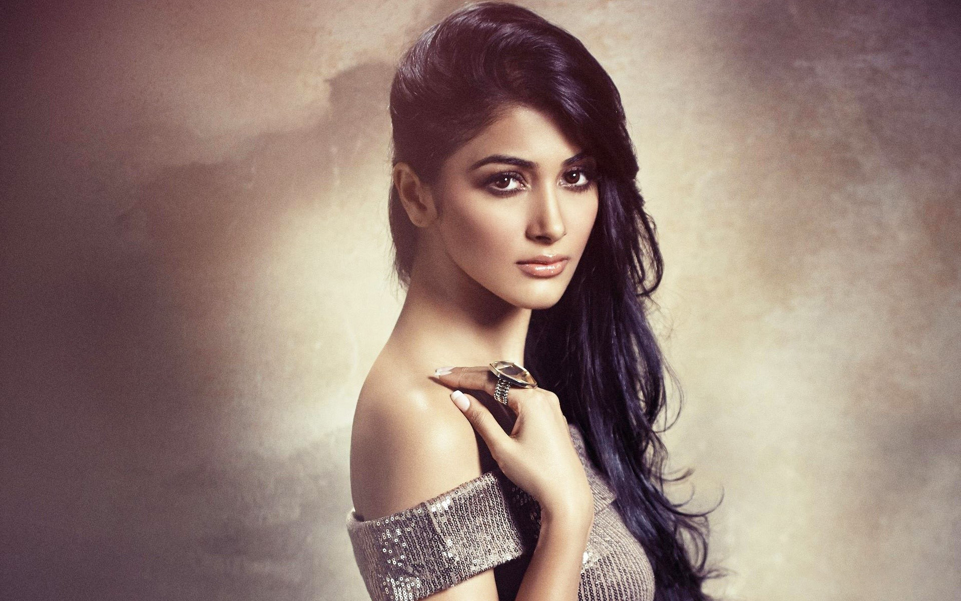 Pooja Hegde Latest HD wallpapers