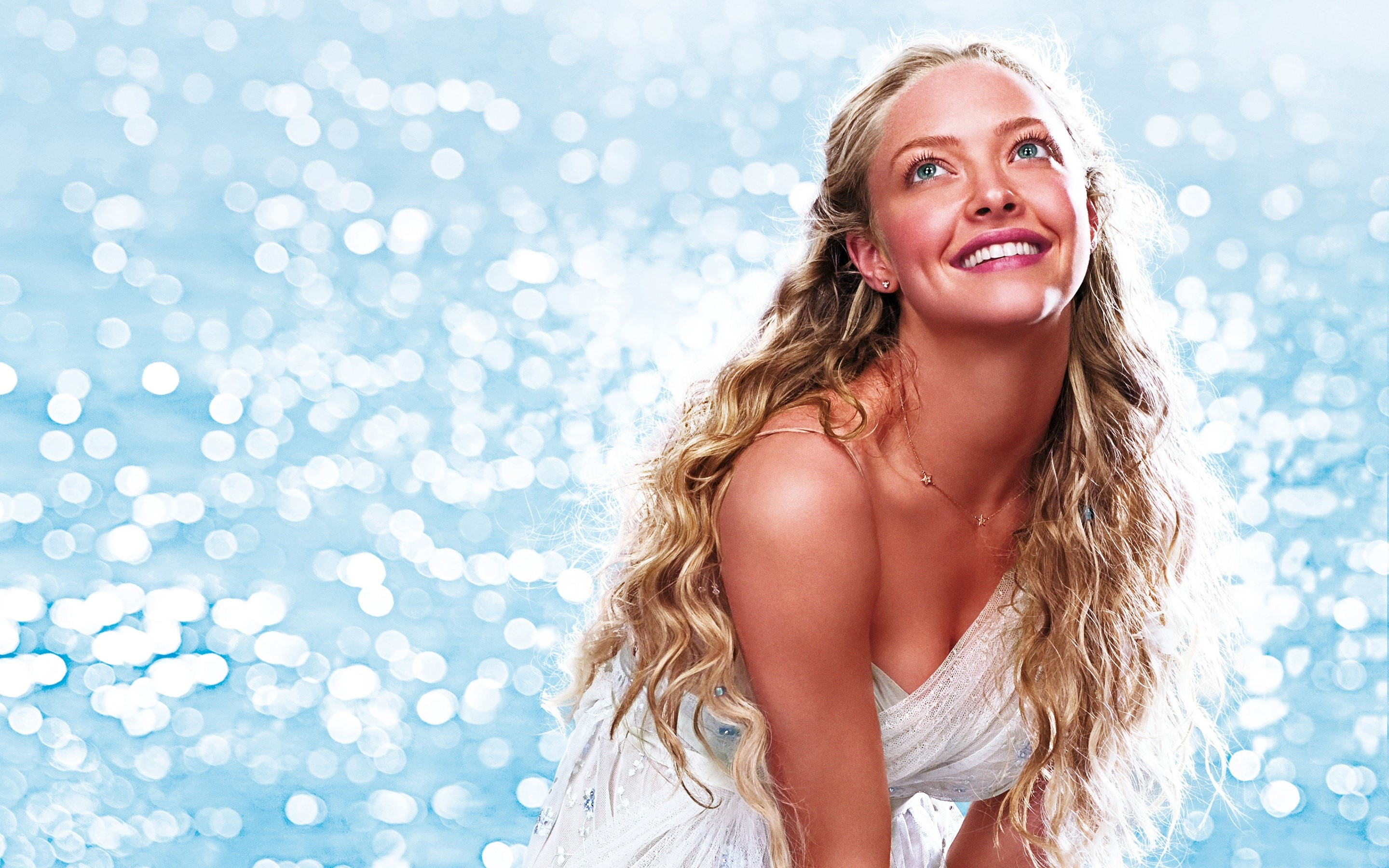 Wallpaper Amanda Seyfried in Mamma Mia