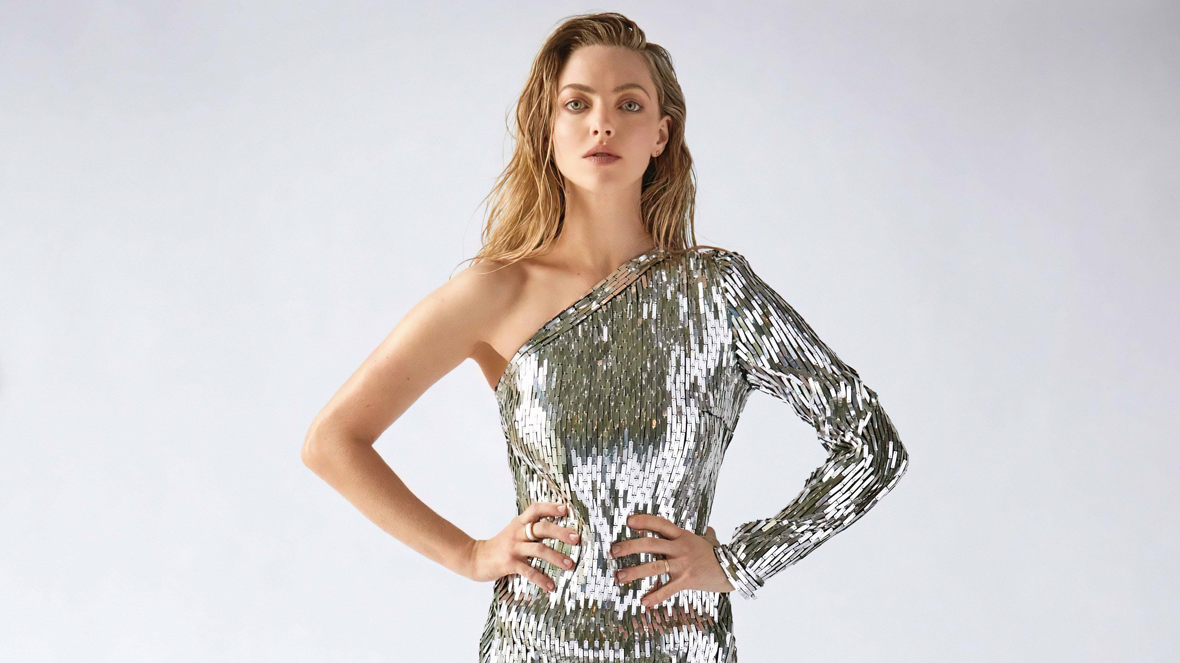 Fondos de pantalla Amanda Seyfried vestido plateado