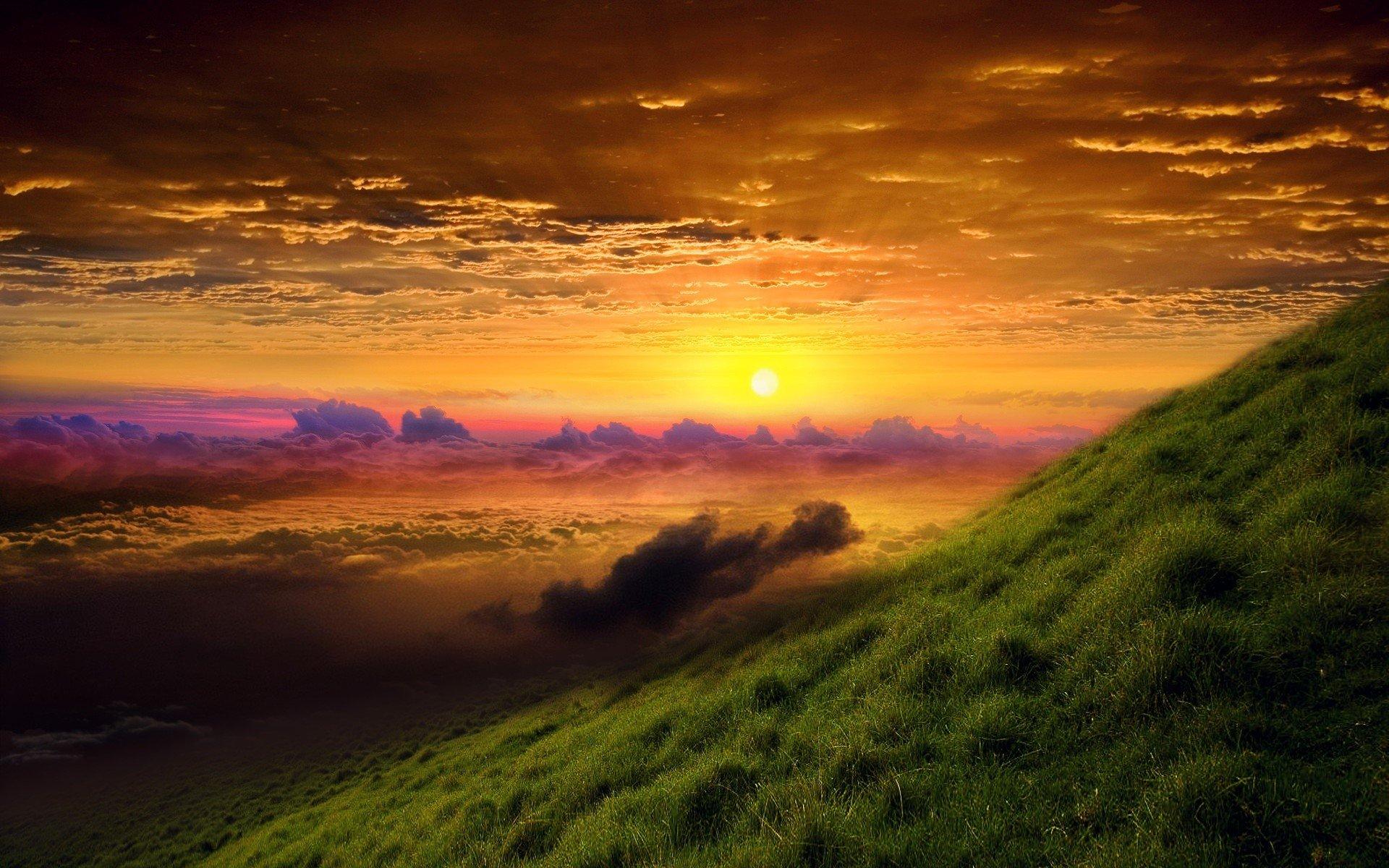 Fondo de pantalla de Amanecer en una montaña Imágenes