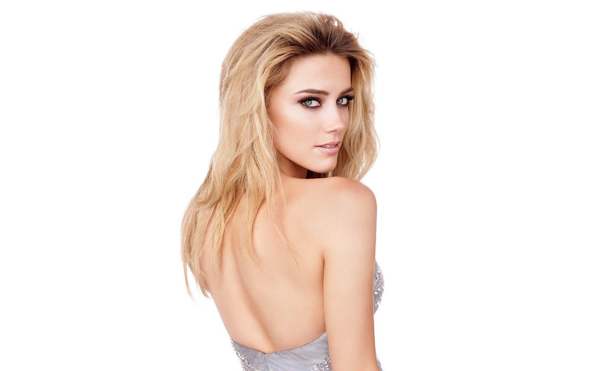 Wallpaper Amber Heard on her back