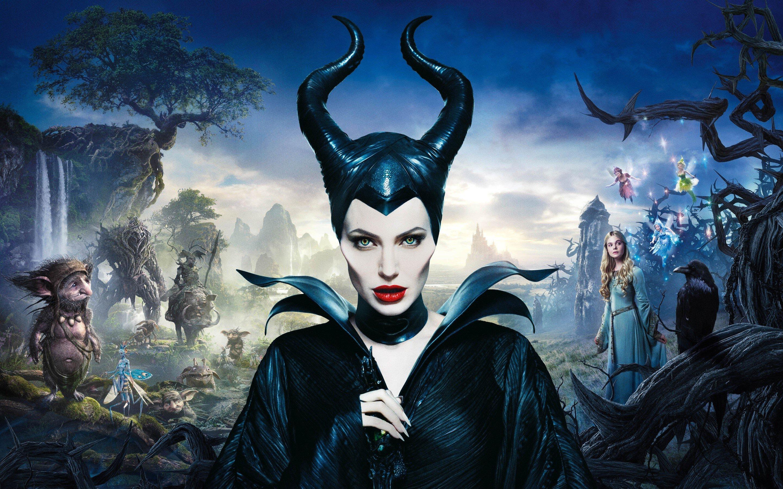 Wallpaper Angelina Jolie in Malefica