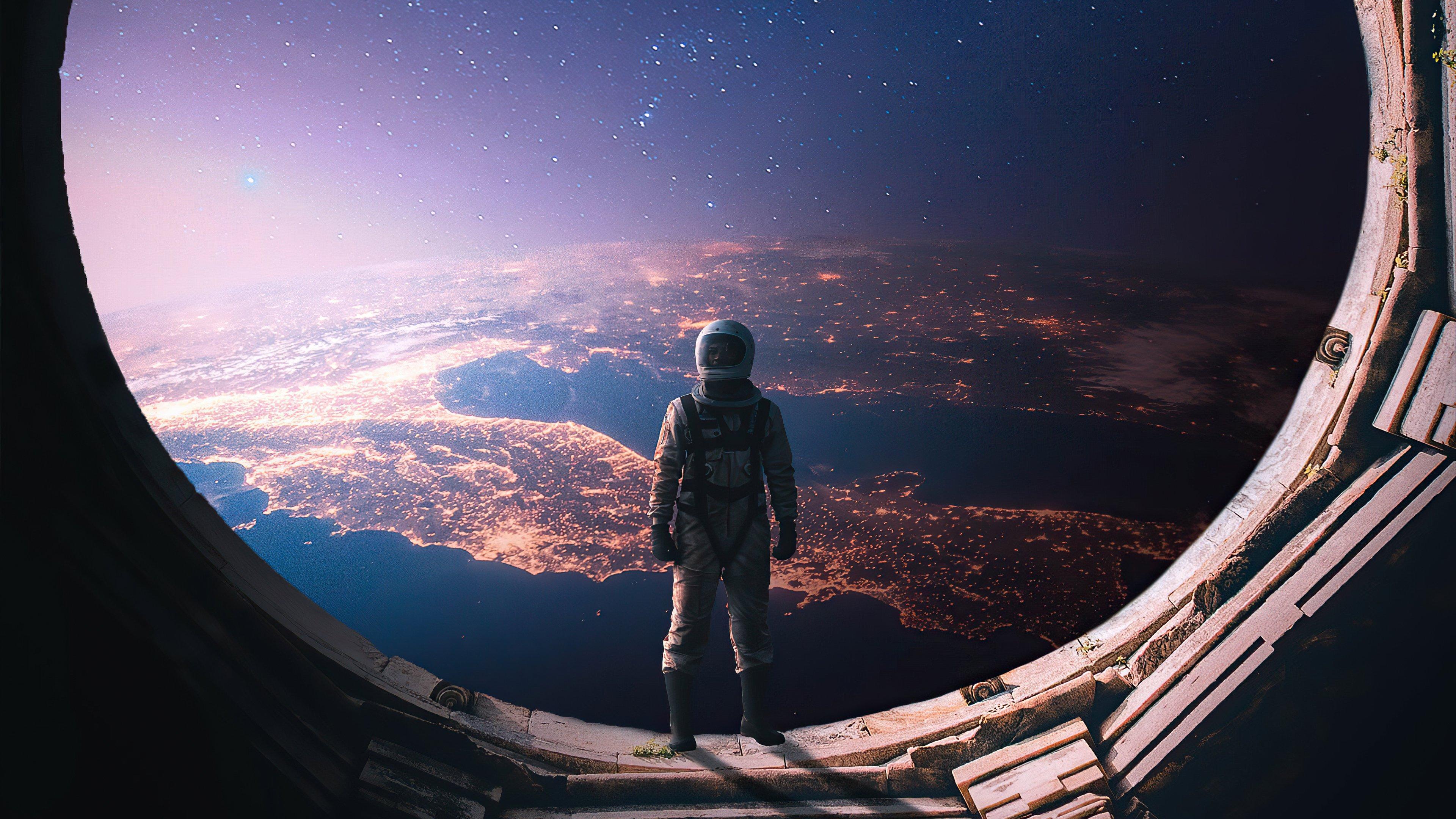 Wallpaper Interstellar Astronaut