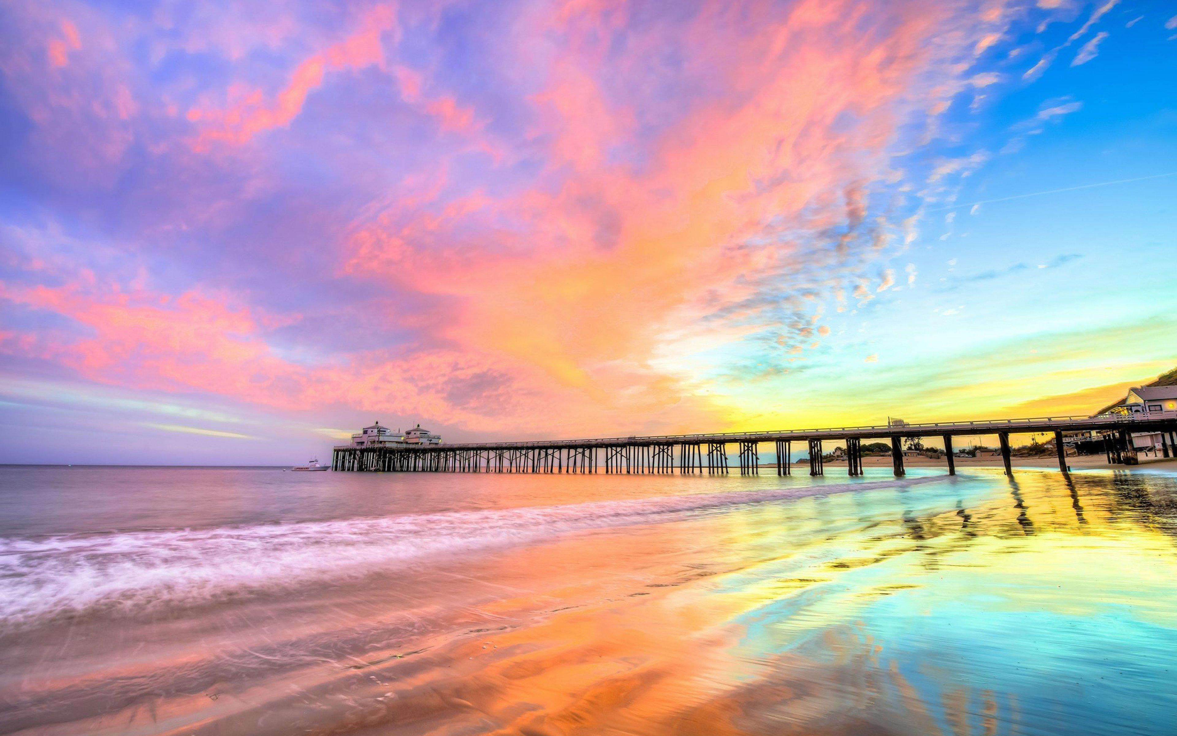 Fondos de pantalla Atardecer en muelle de playa en California