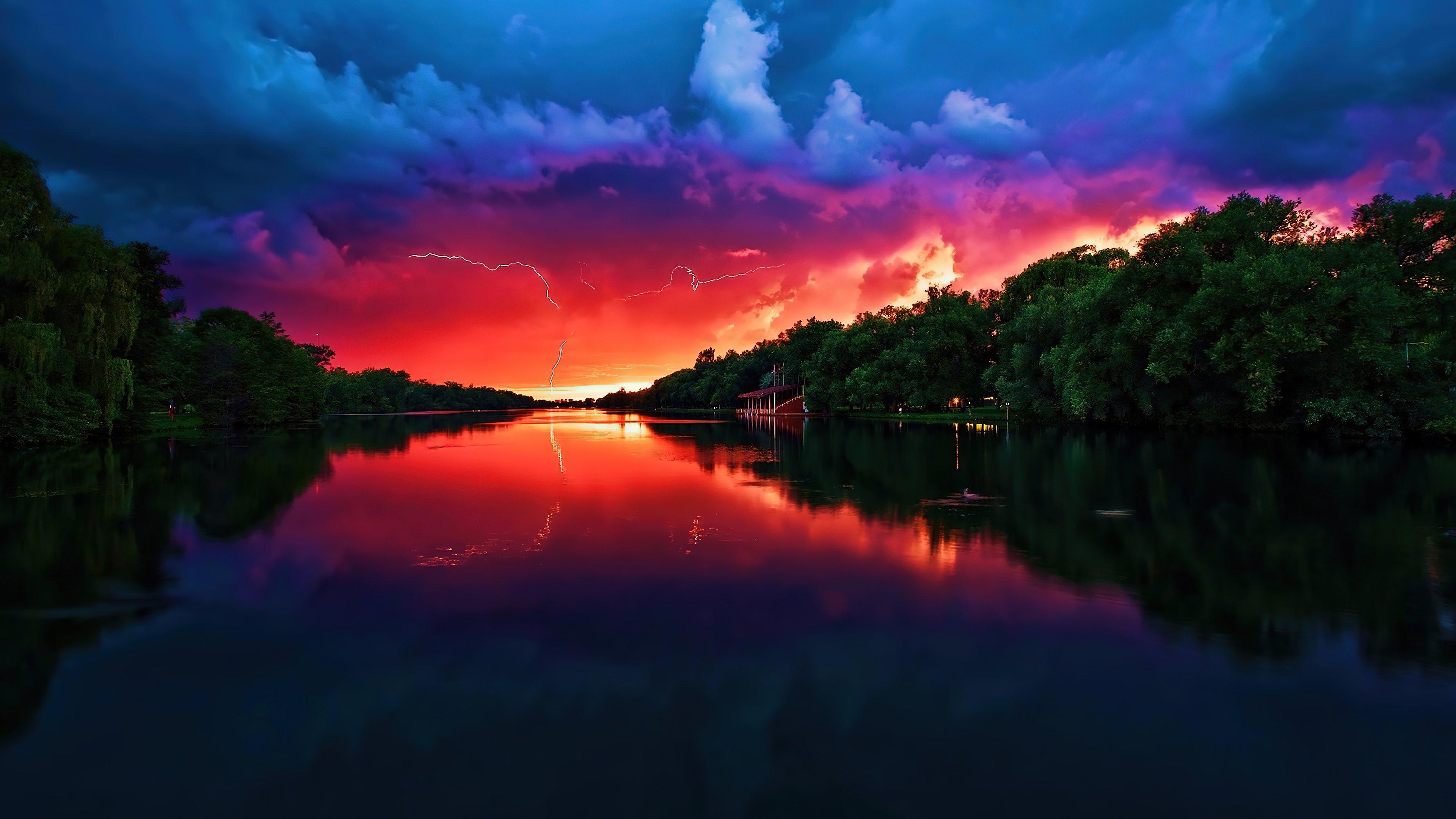 Fondos de pantalla Atardecer nublado en lago