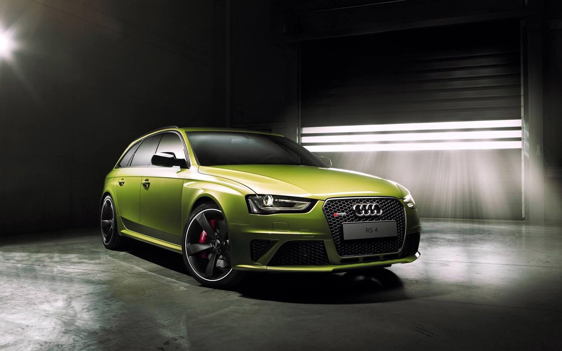 Wallpaper Audi RS4 Avant Green