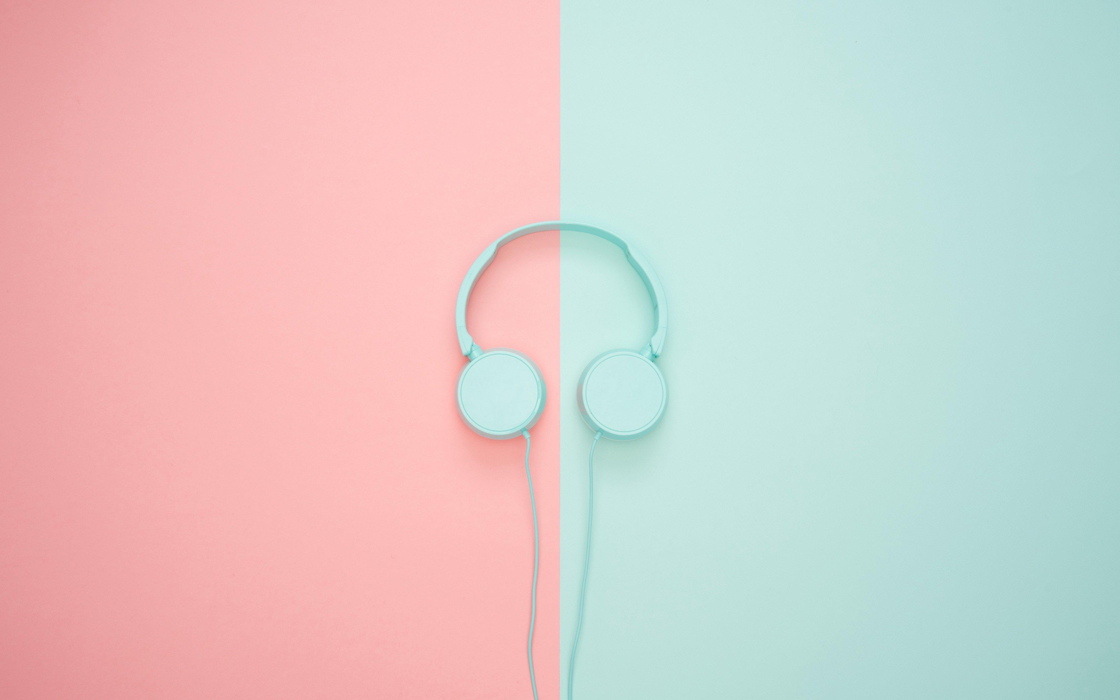 Fondos de pantalla Audífonos en rosa y azul pastel