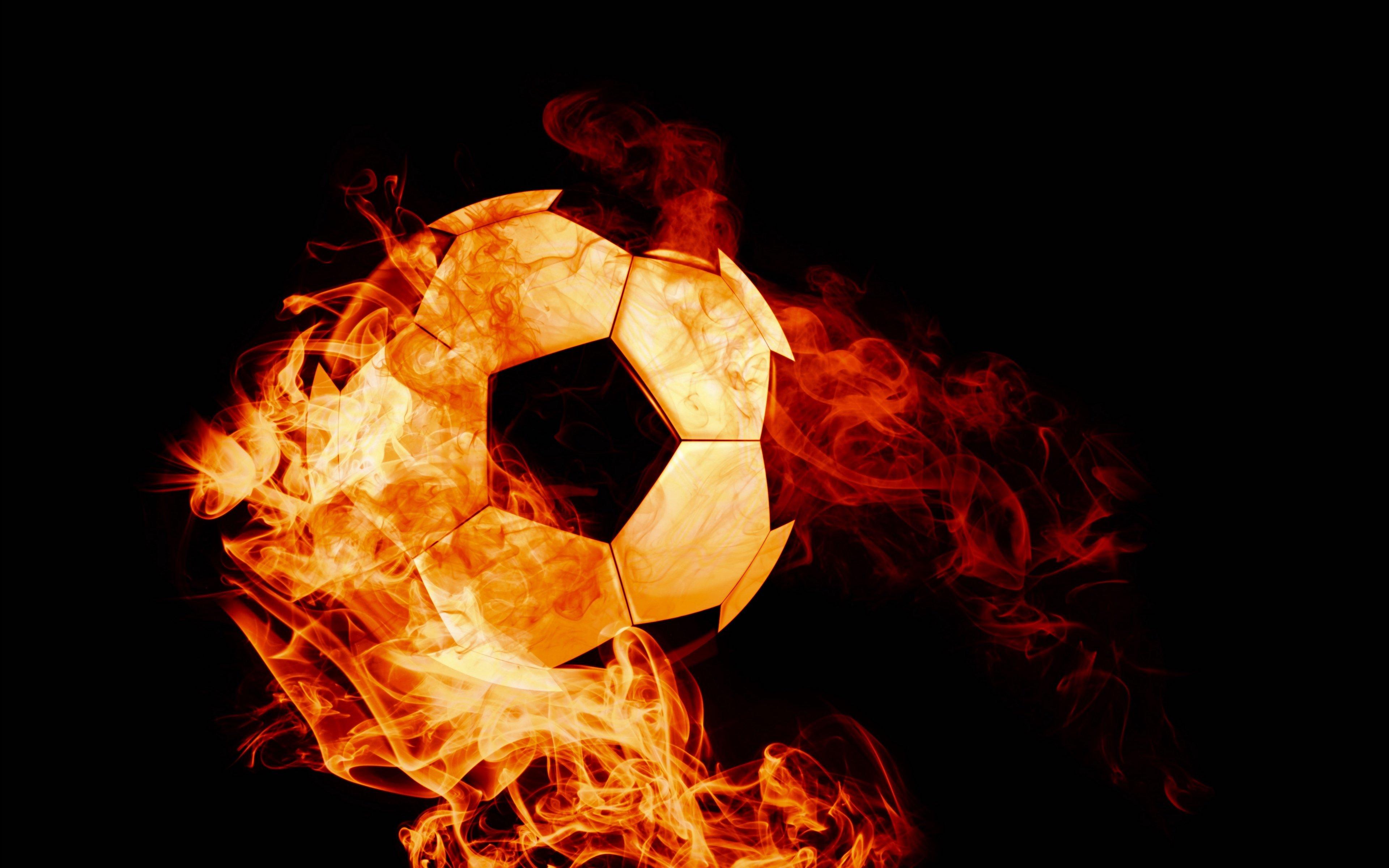 Fondos de pantalla Balon de futbol en fuego