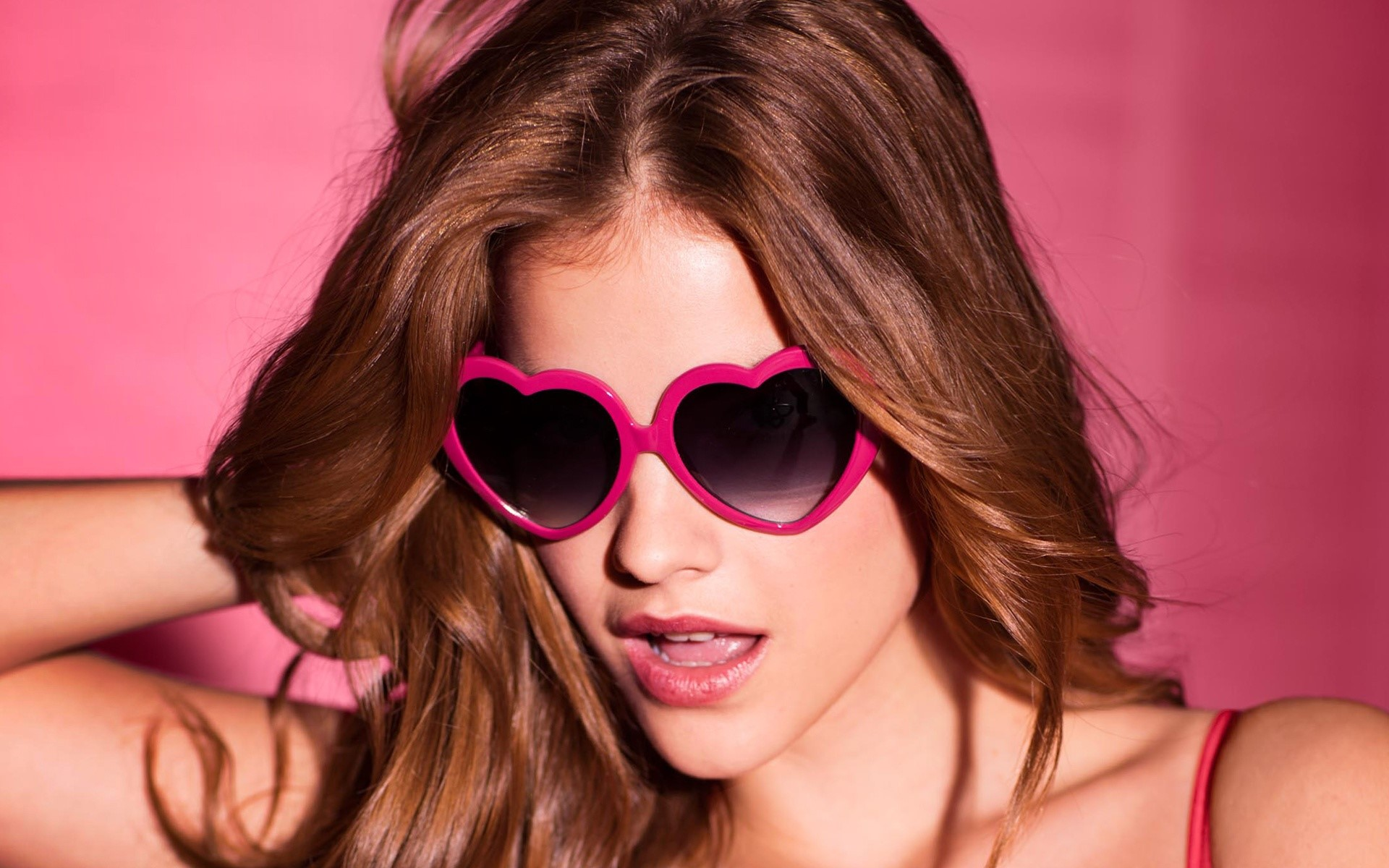 Wallpaper Barbara Palvin with sunglasses