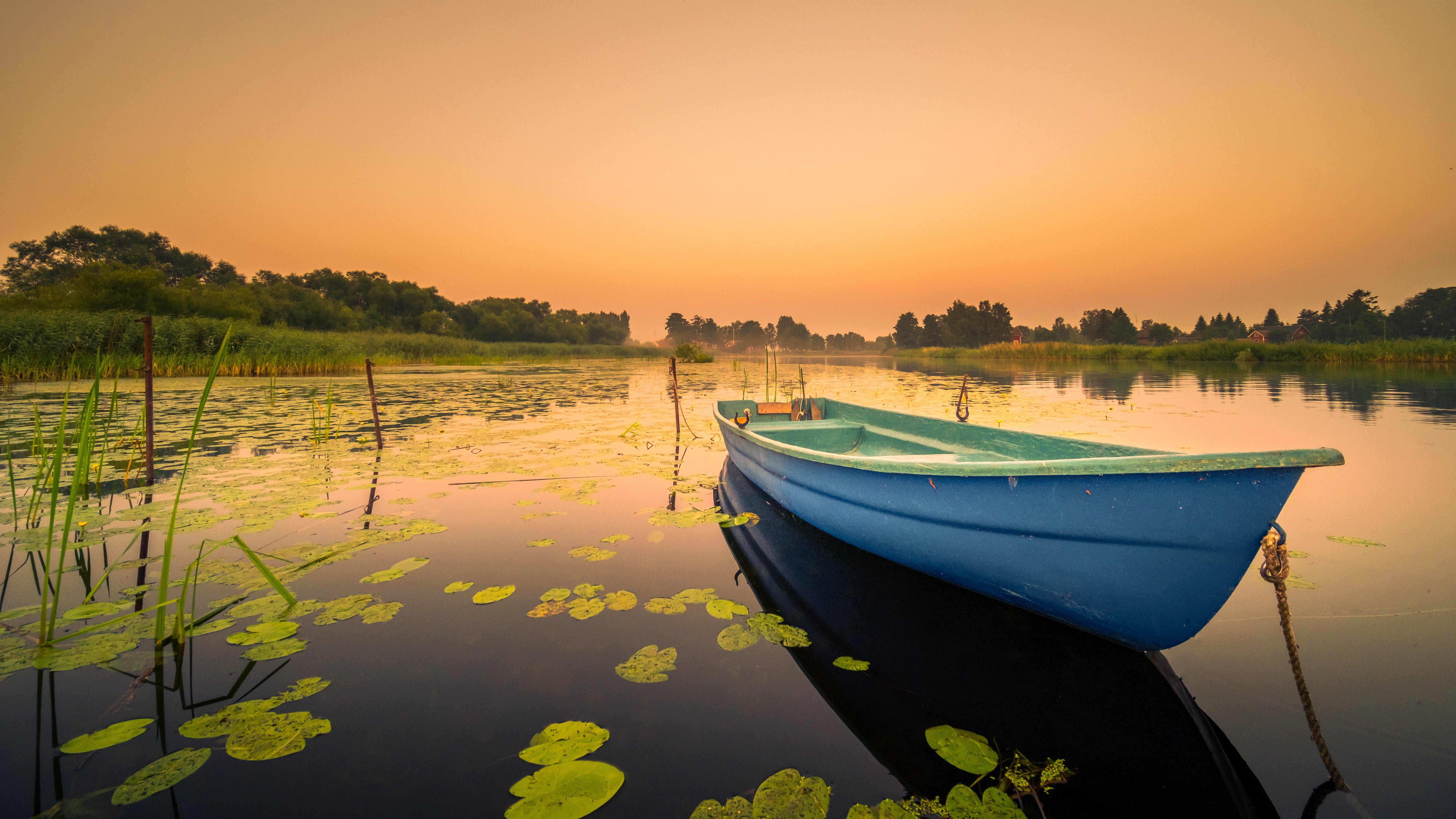 Fondos de pantalla Bote en lago