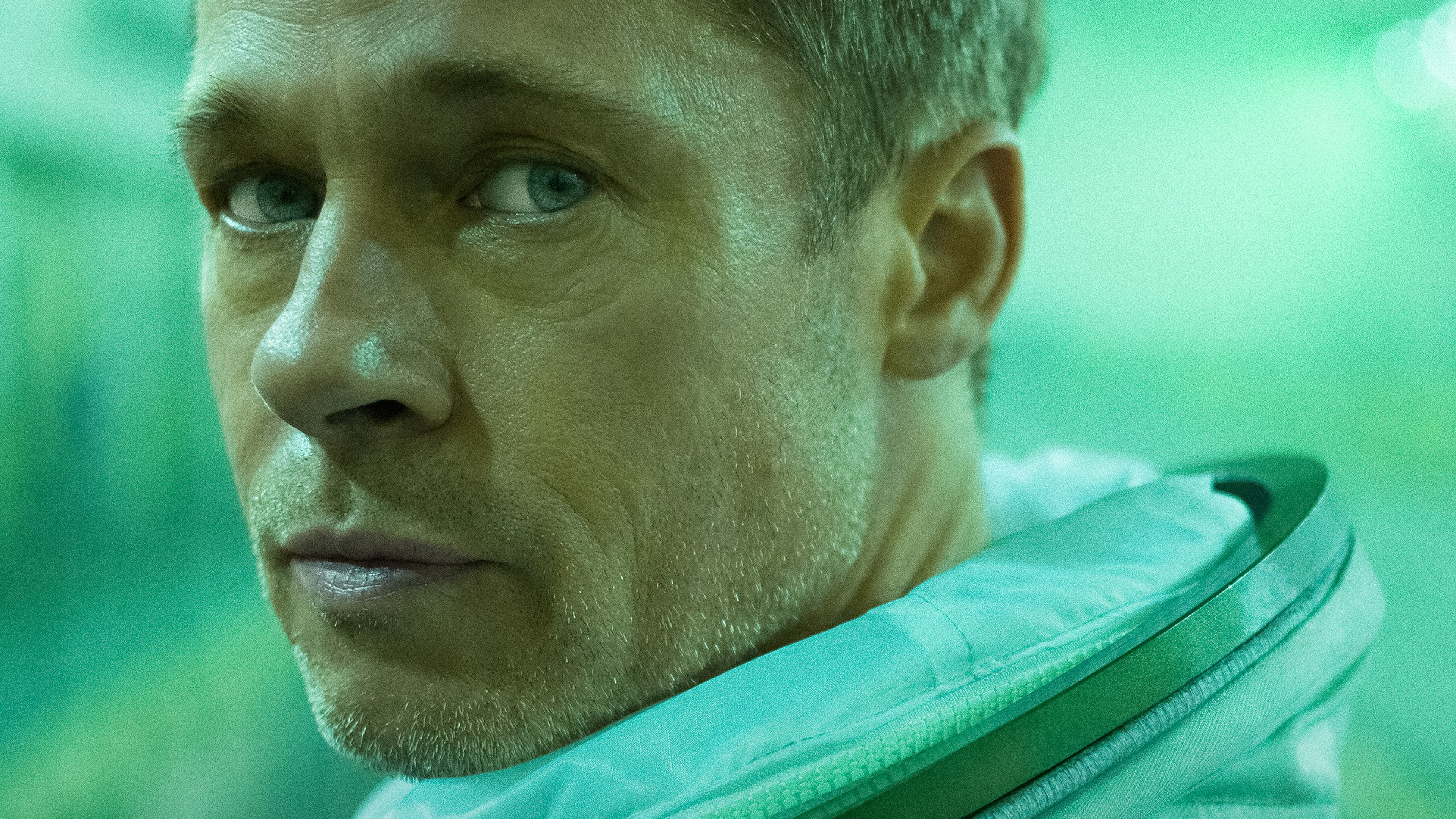 Wallpaper Brad Pitt as Roy McBride in Ad Astra