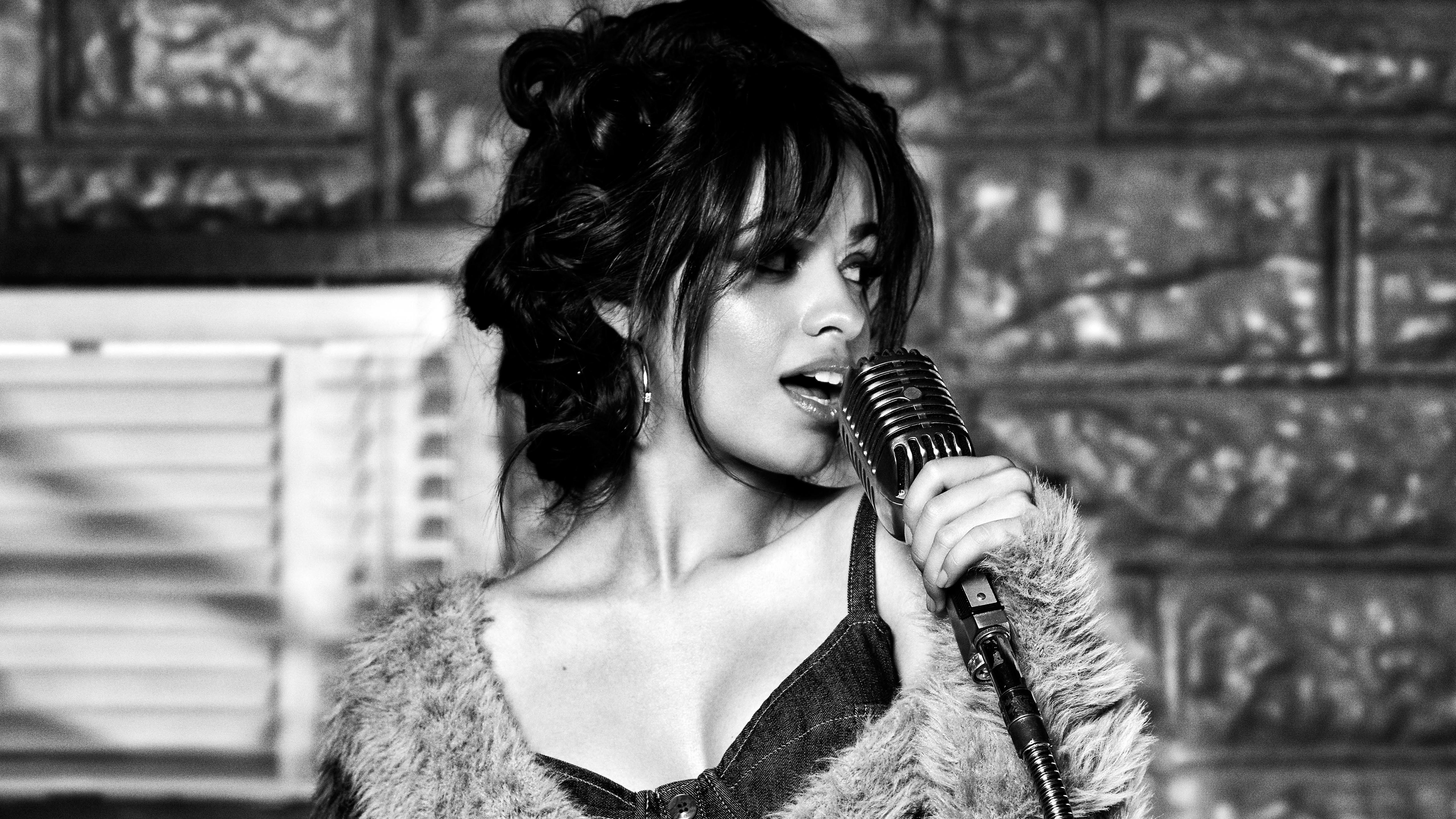 Fondos de pantalla Camila Cabello cantando