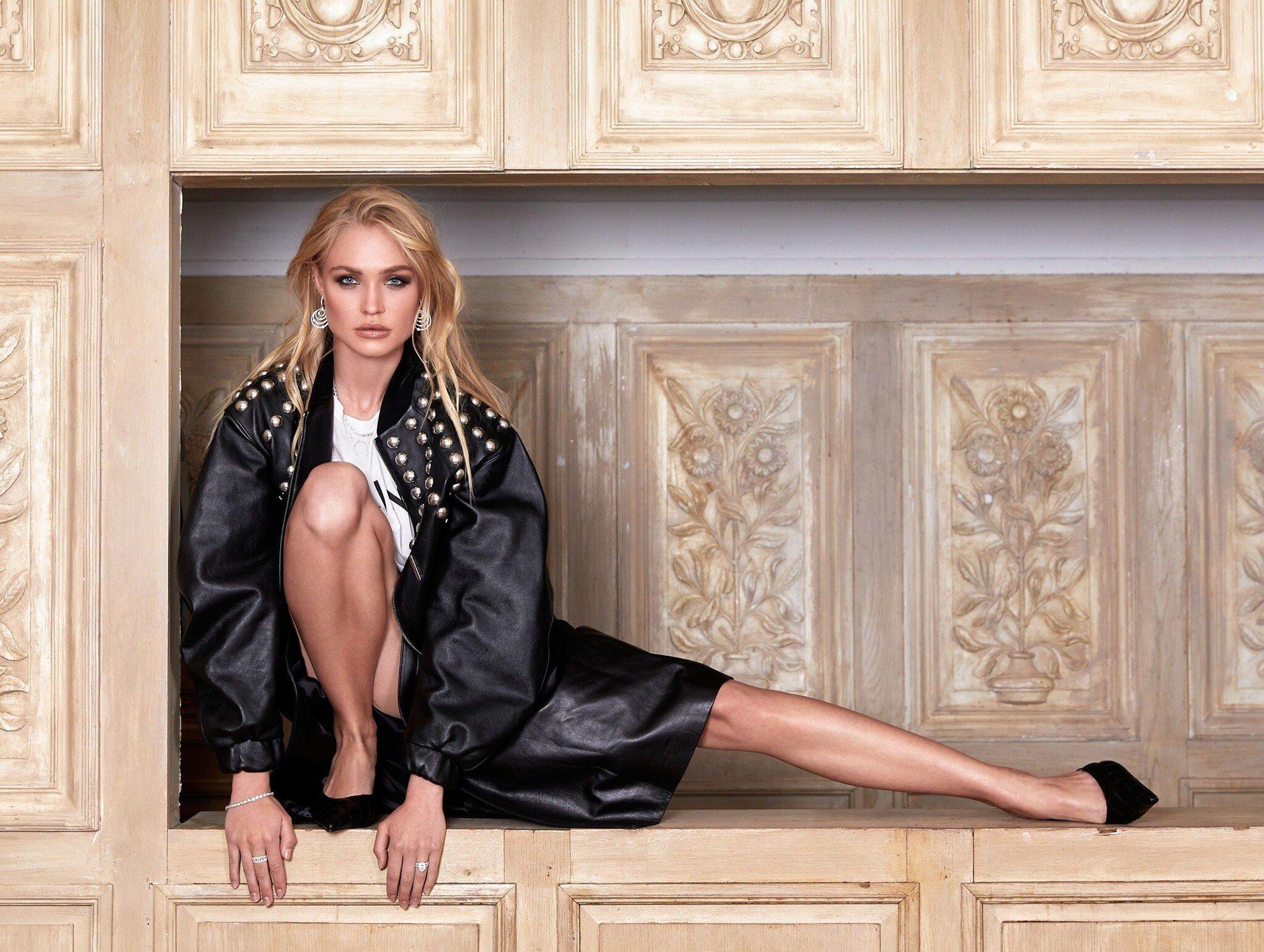 Wallpaper Camilla Forchhamer Model