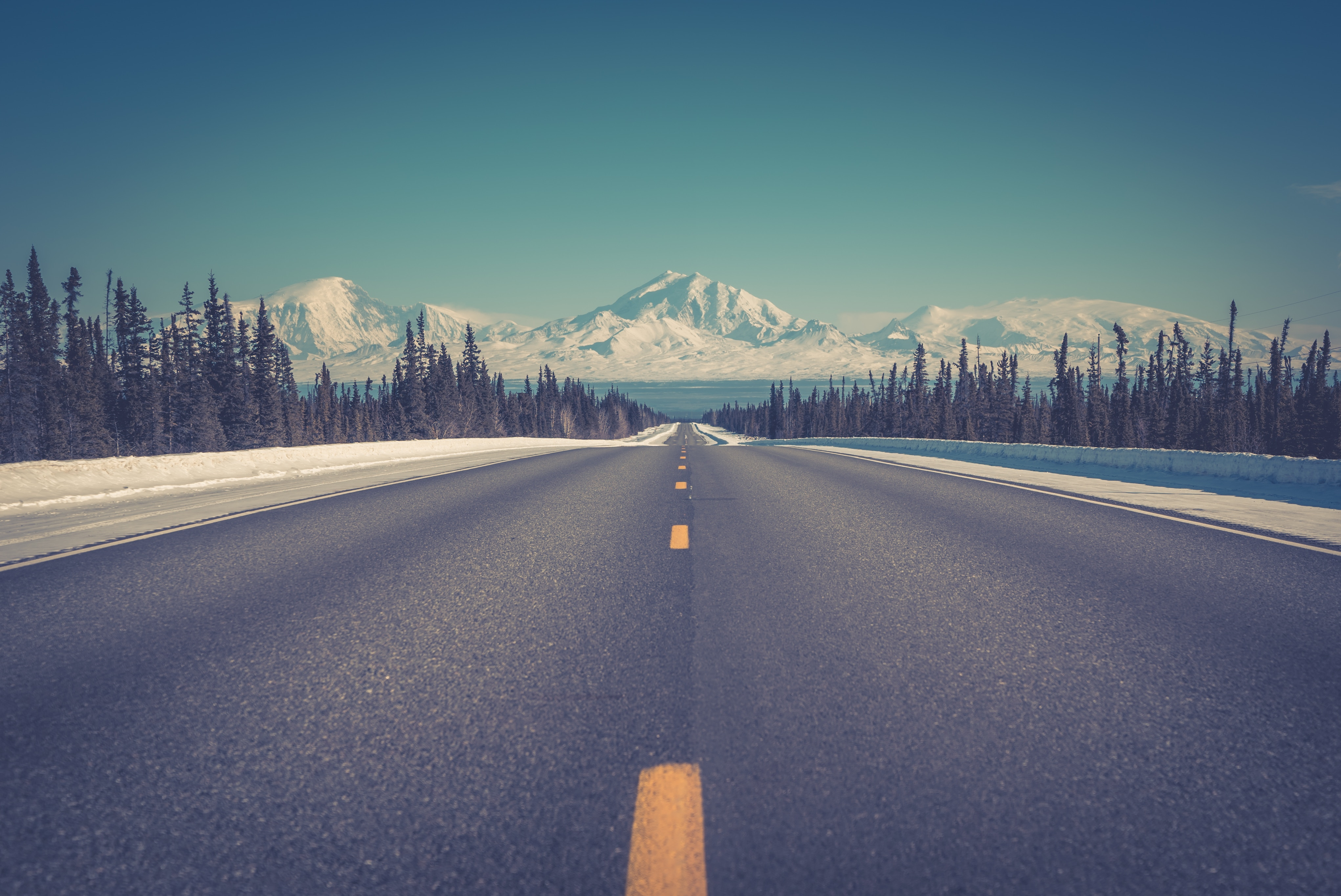Road To Mountains In Winter Wallpaper Id3356