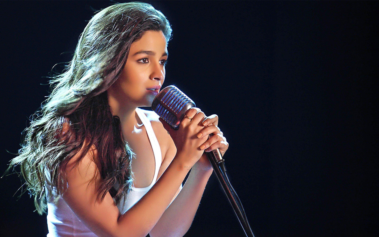 Wallpaper Singer Alia Bhatt