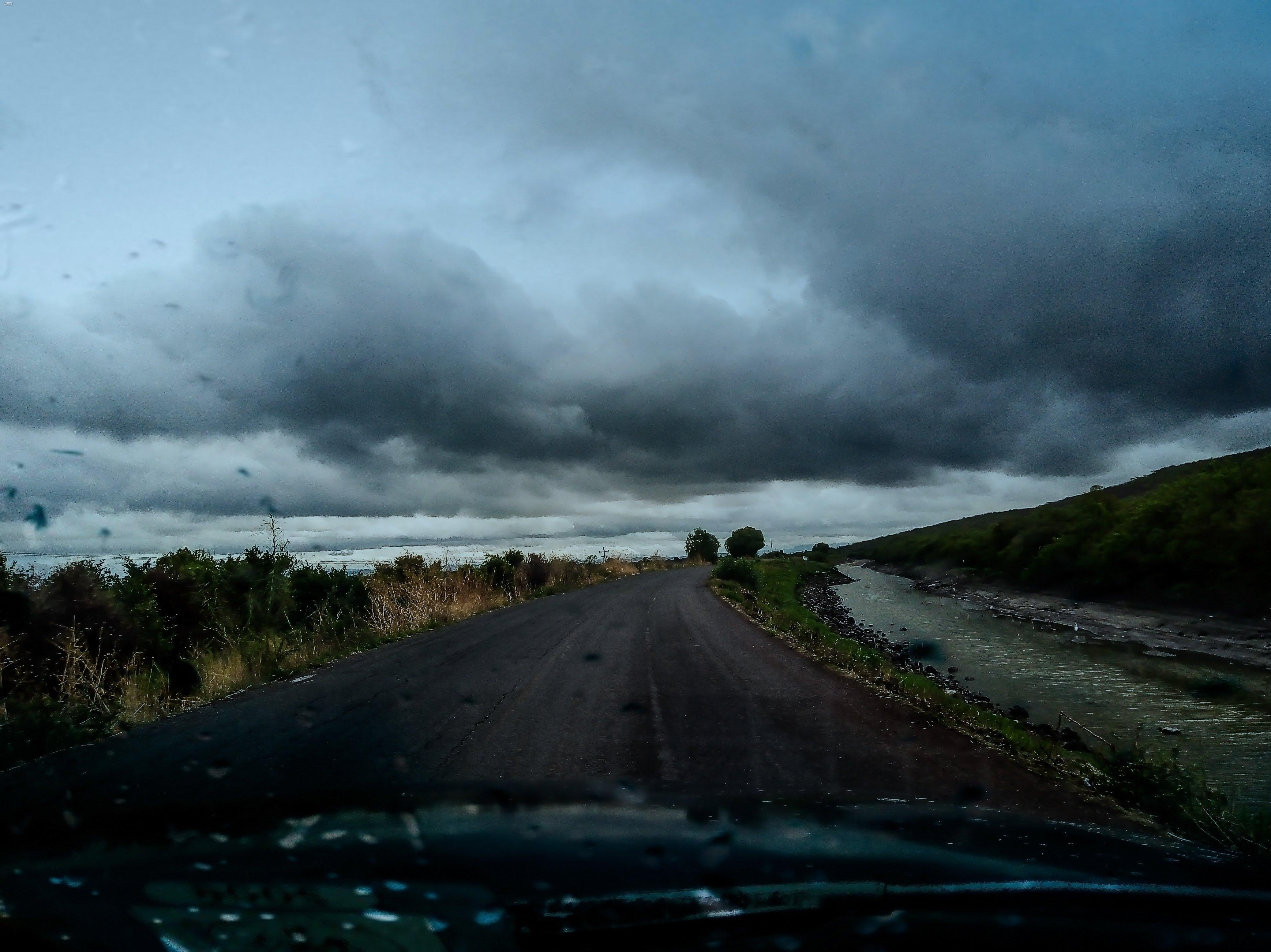 Fondos de pantalla Carretera clima nublado