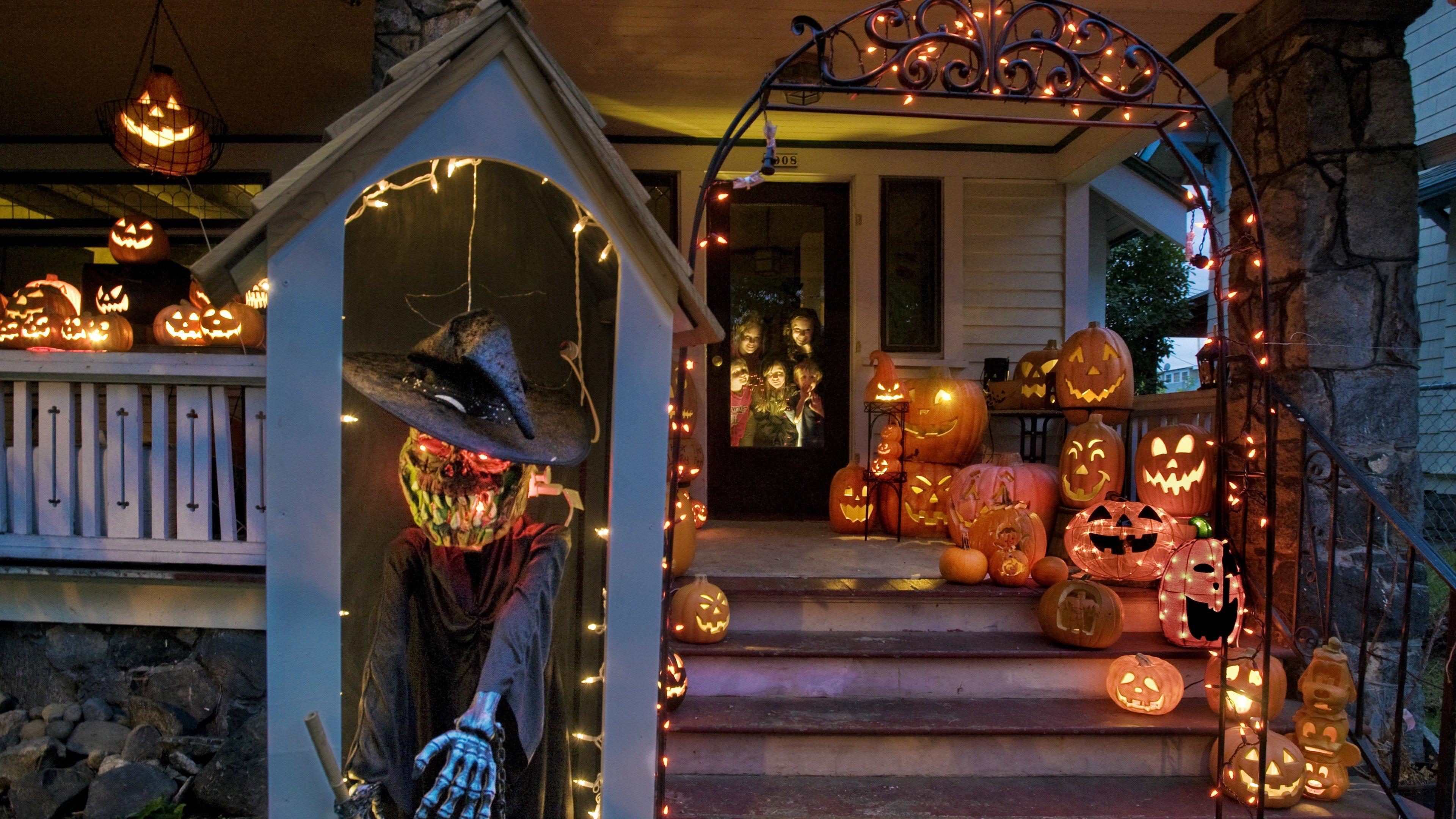 Fondos de pantalla Casa decorada para Halloween