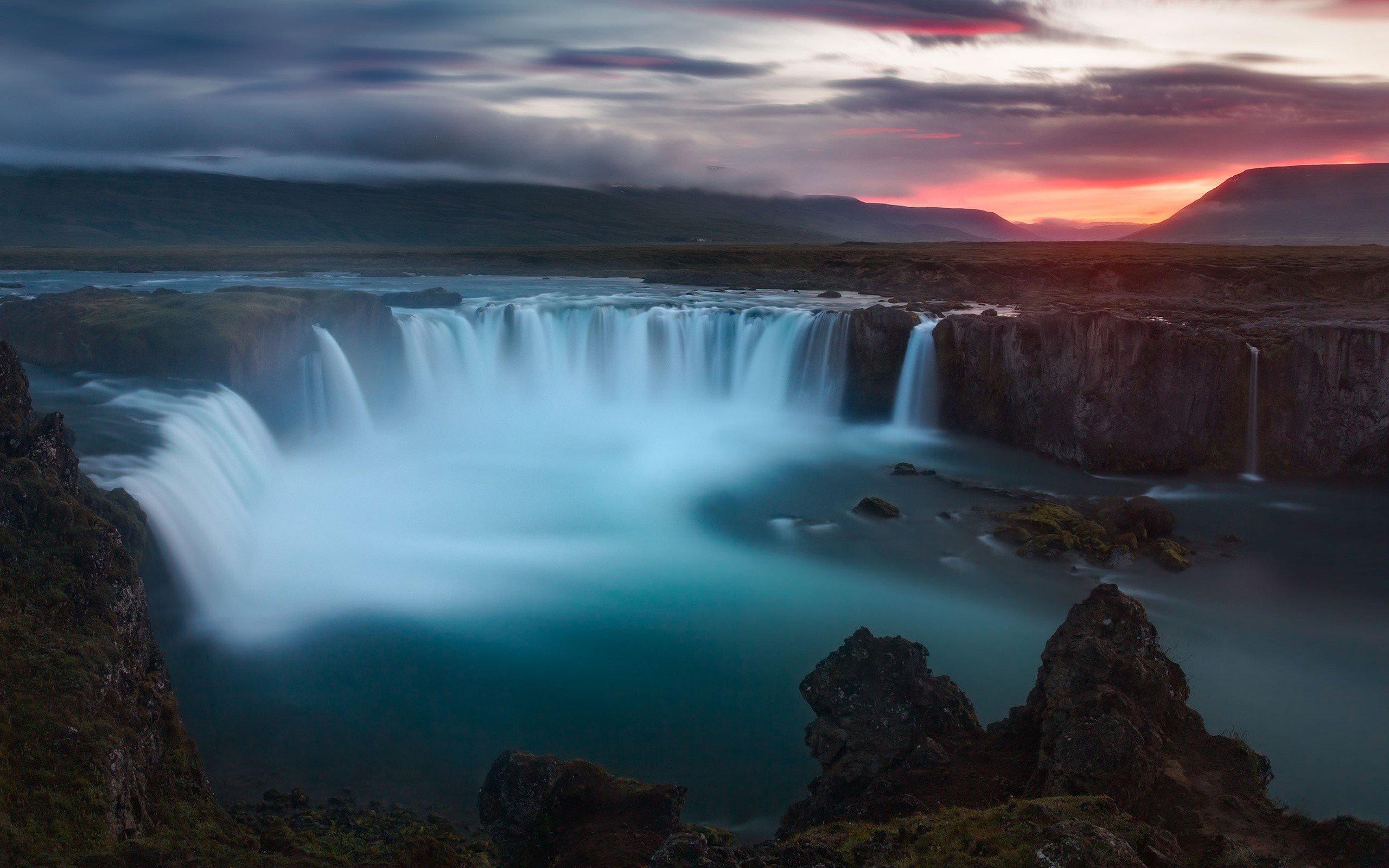 Fondo de pantalla de Cascada Godafoss en Islandia Imágenes