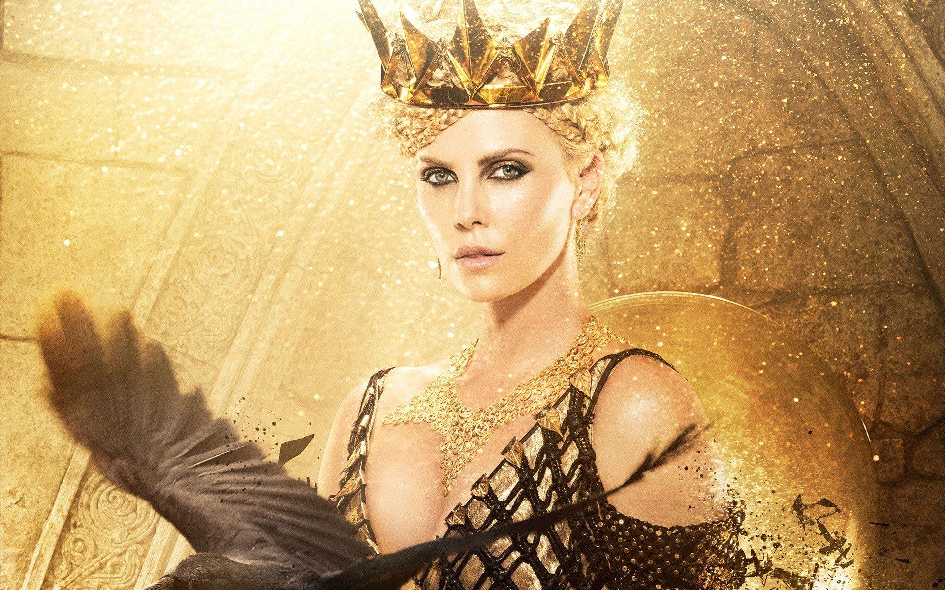 Fondo de pantalla de Charlize Theron en El cazador y la reina del hielo Imágenes