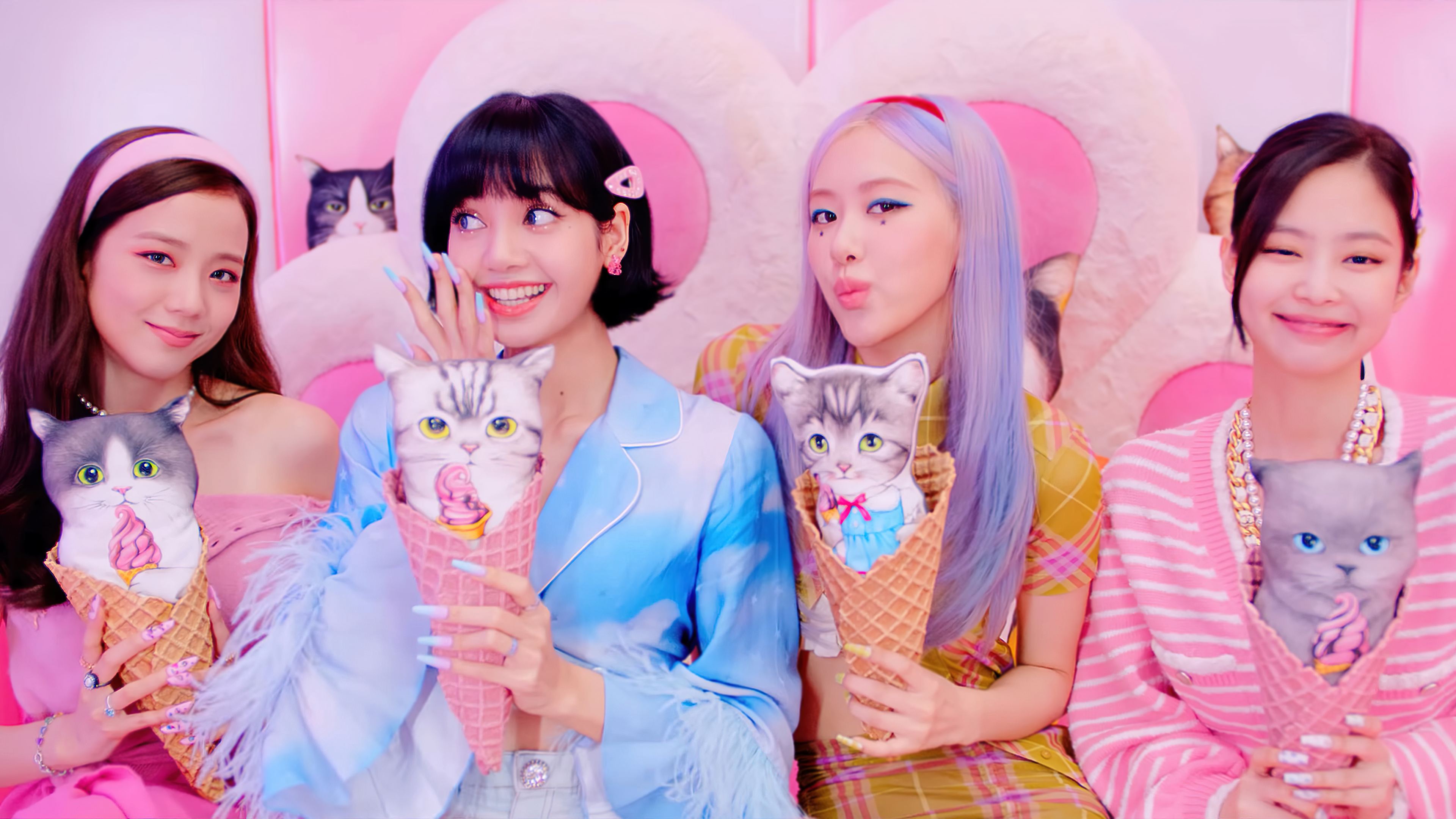 Girls From Blackpink With Kittens In Cones Wallpaper 4k Ultra Hd Id 6100