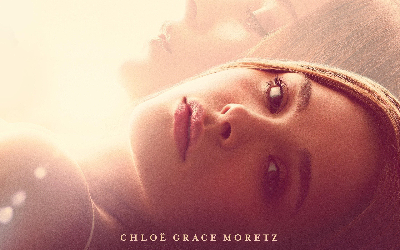 Wallpaper Chloe Moretz as Mia Hall