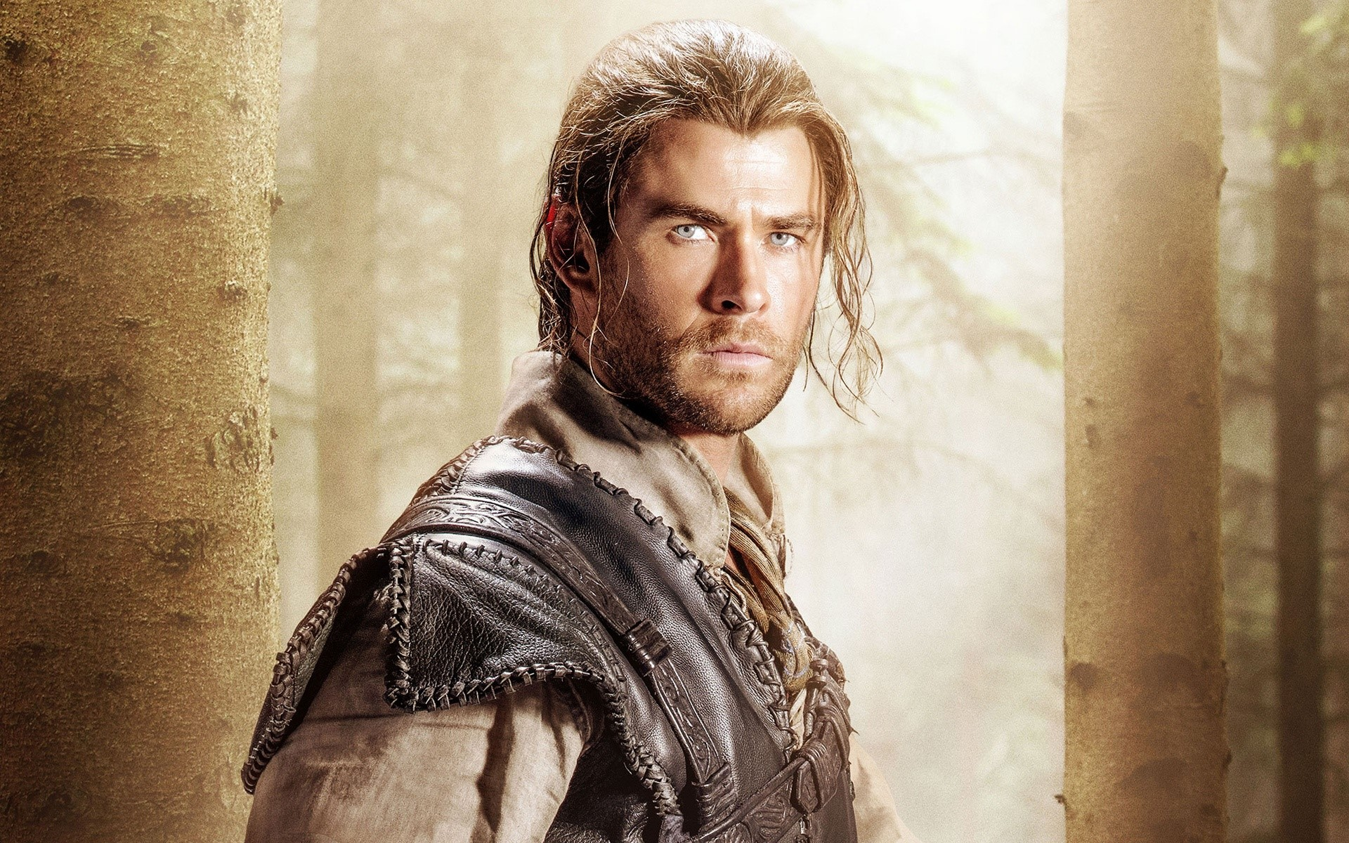 Wallpaper Chris Hemsworth in The Hunter and the Ice Queen
