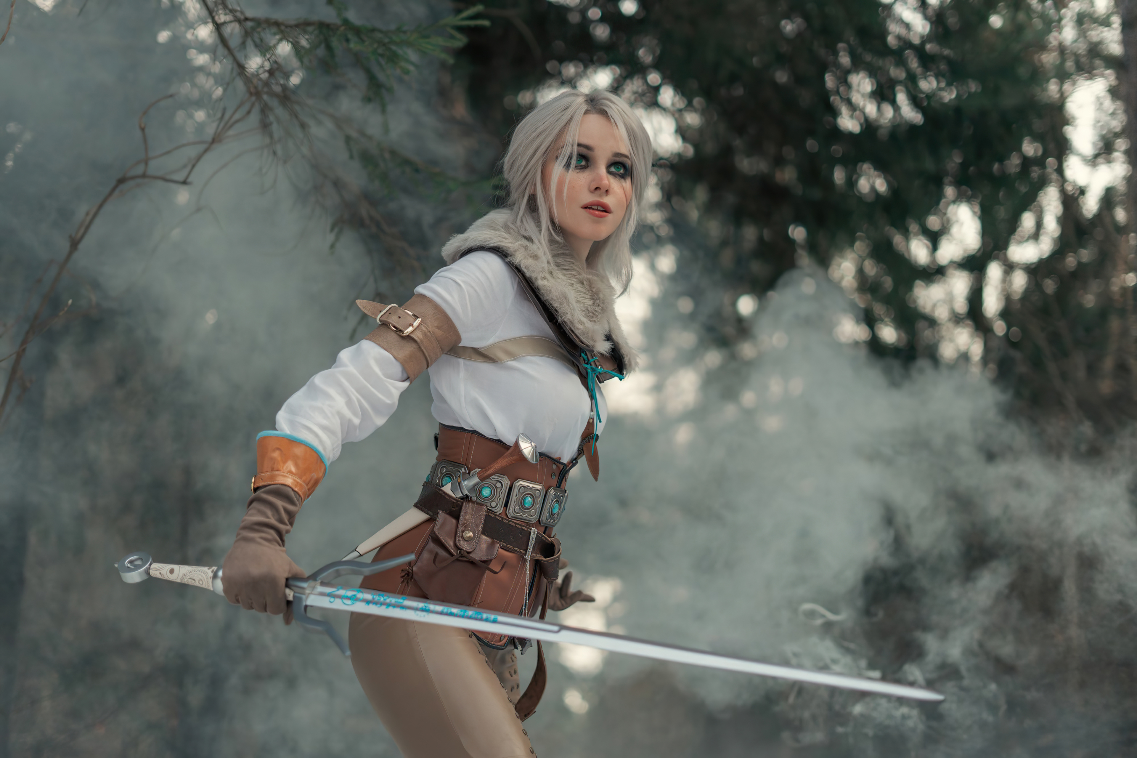 Wallpaper Ciri The Witcher 3 Cosplay