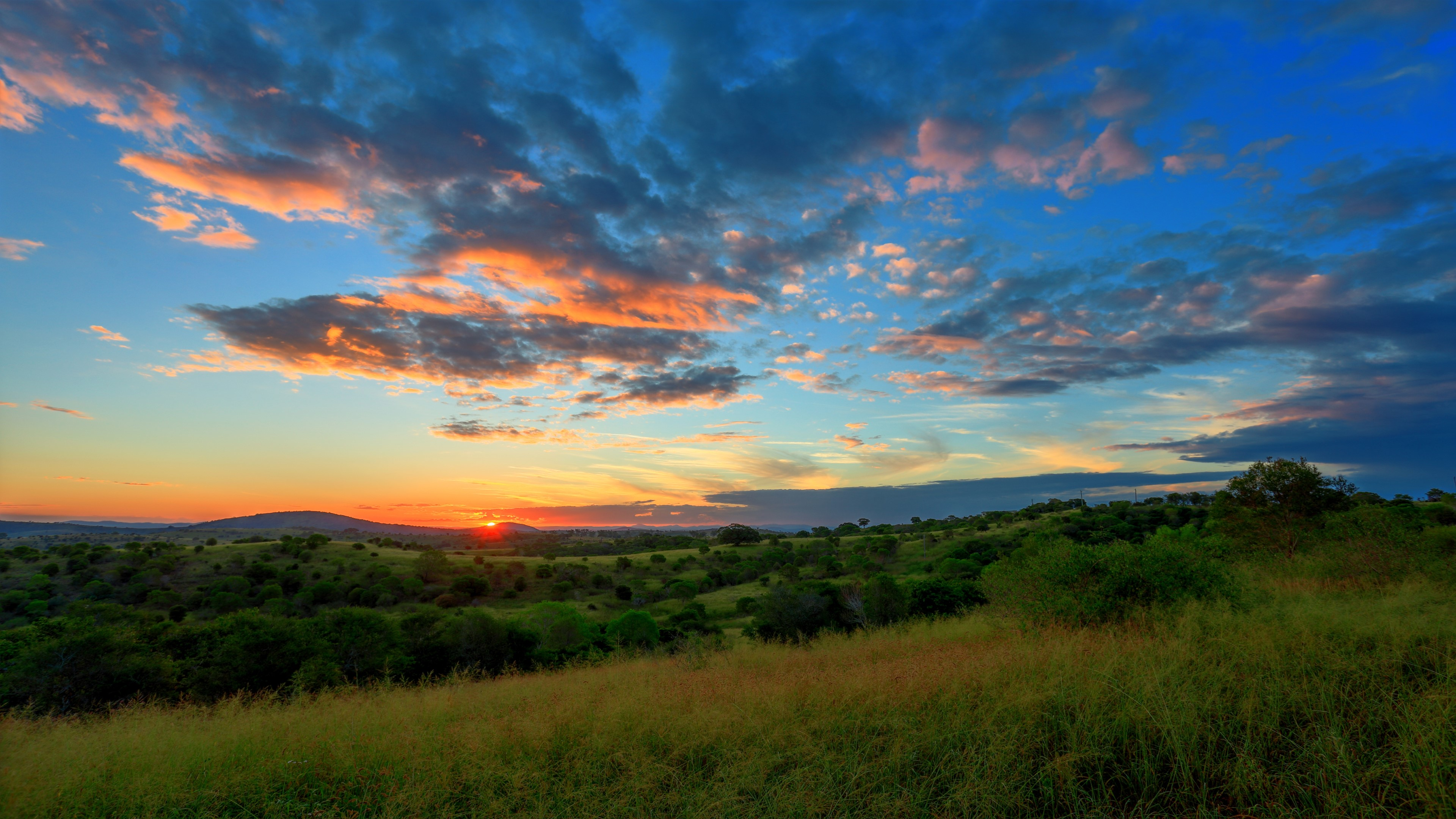 Wallpaper Hills at sunset