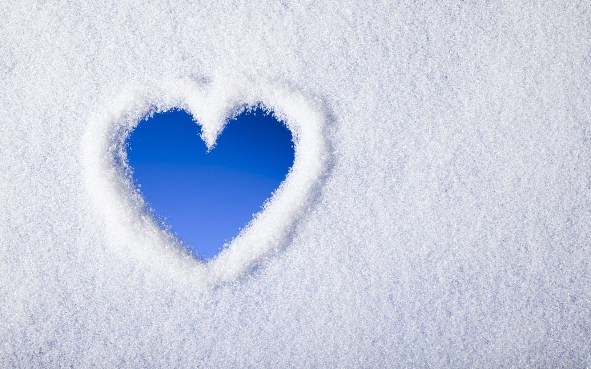 Wallpaper Heart of snow