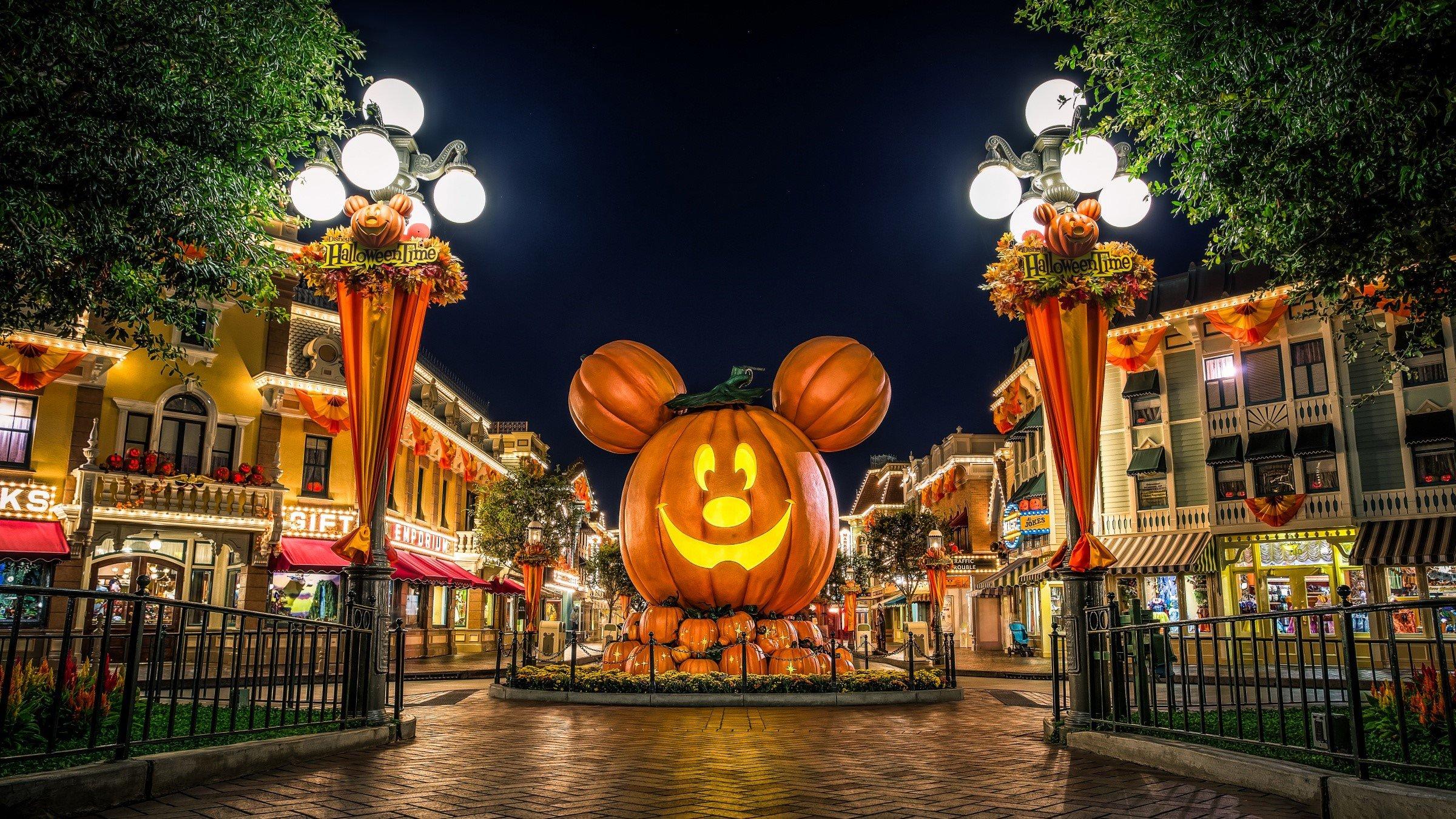 Fondo de pantalla de Disneyland en Halloween Imágenes