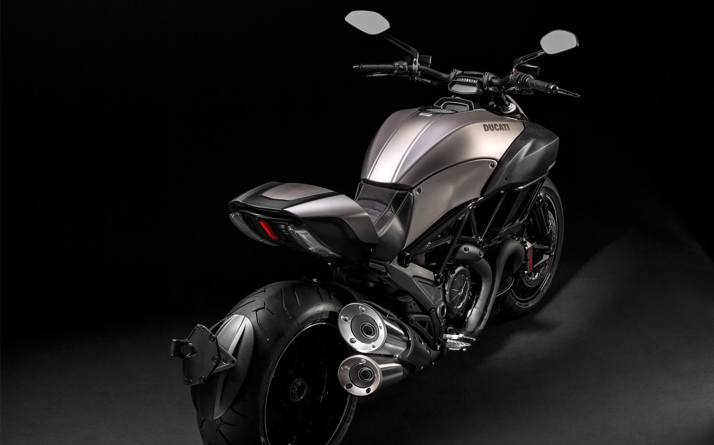Fondos de pantalla Ducati Diavel Titanium negra