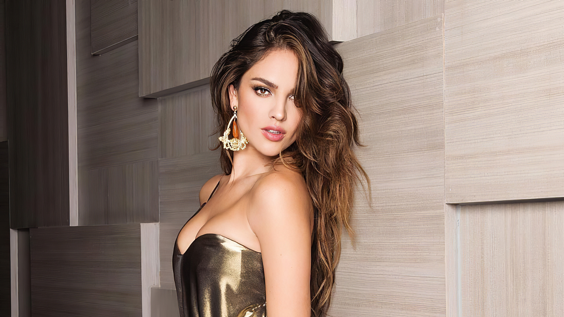 Wallpaper Eiza Gonzalez