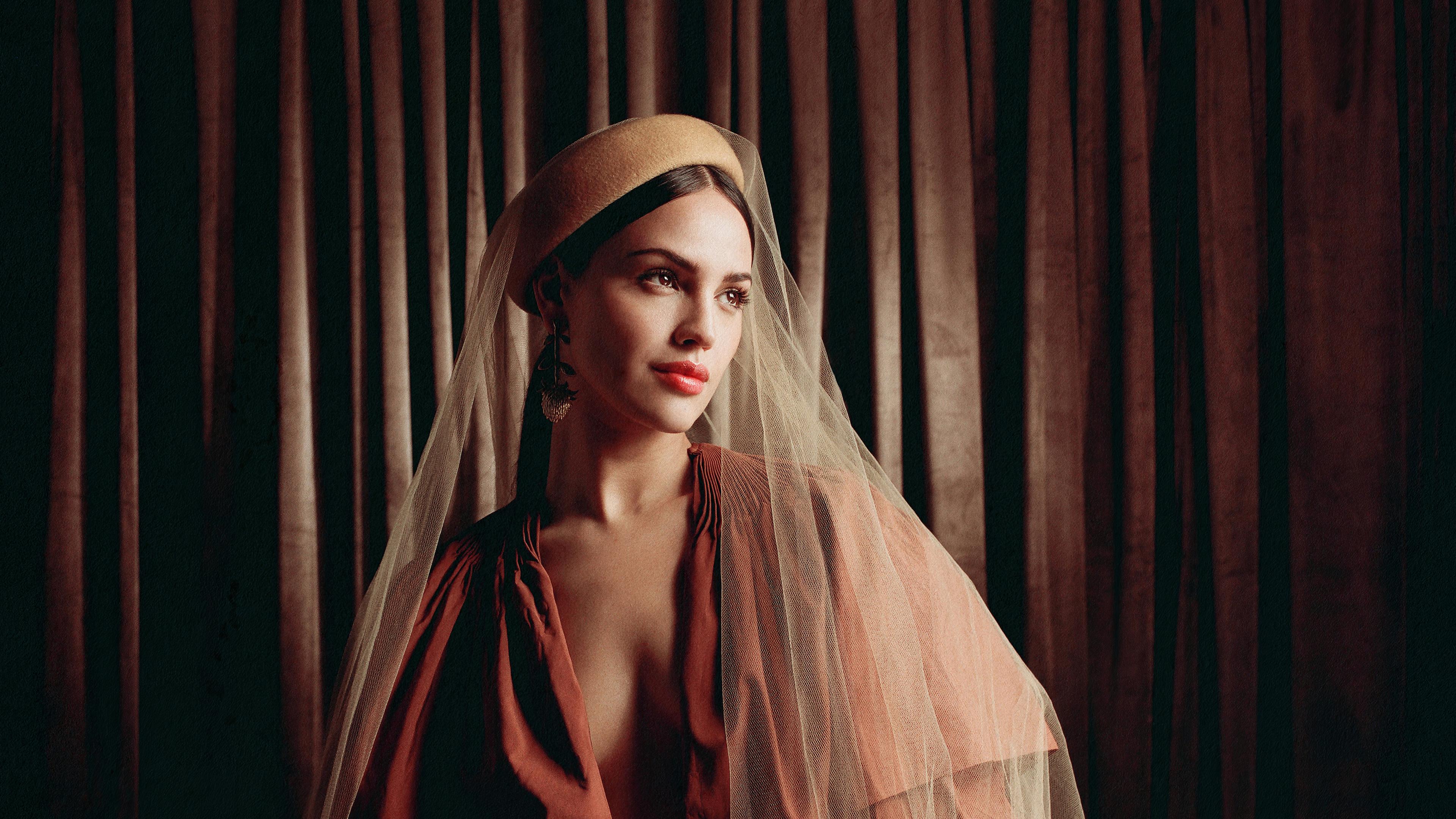 Wallpaper Eiza Gonzalez in costume