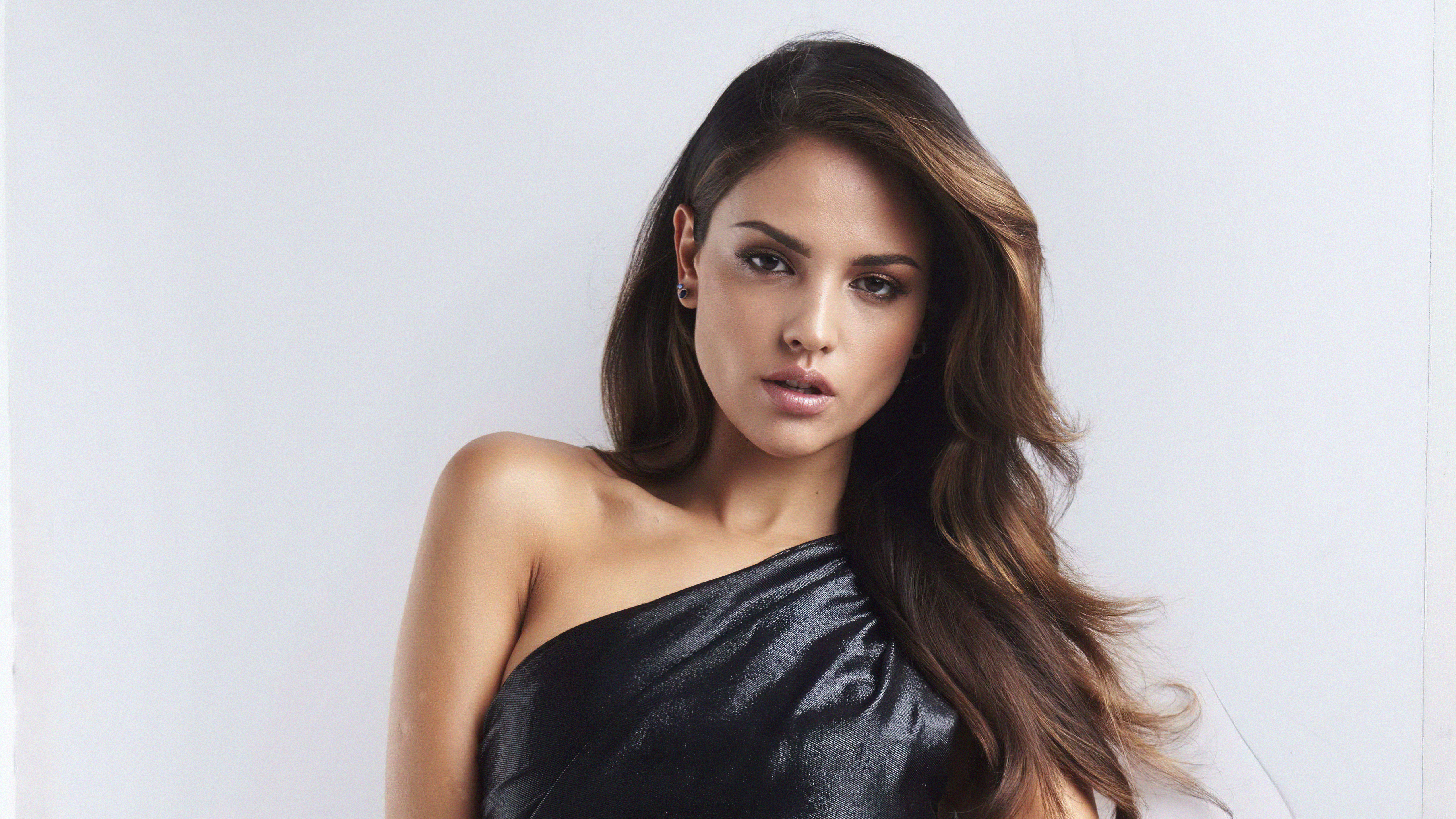 Fondos de pantalla Eiza Gonzalez para Variety
