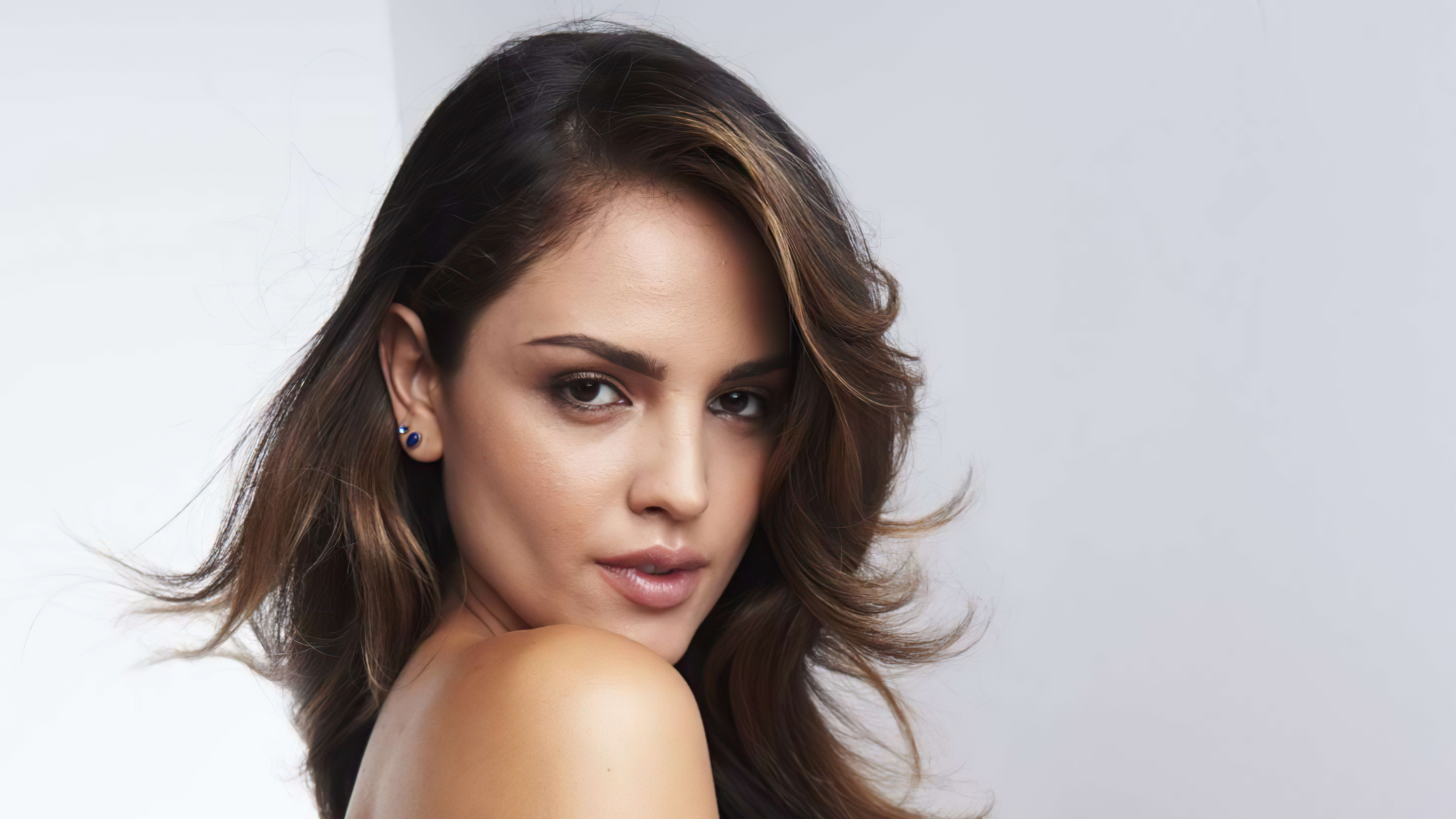 Wallpaper Eiza Gonzalez Variety Latino