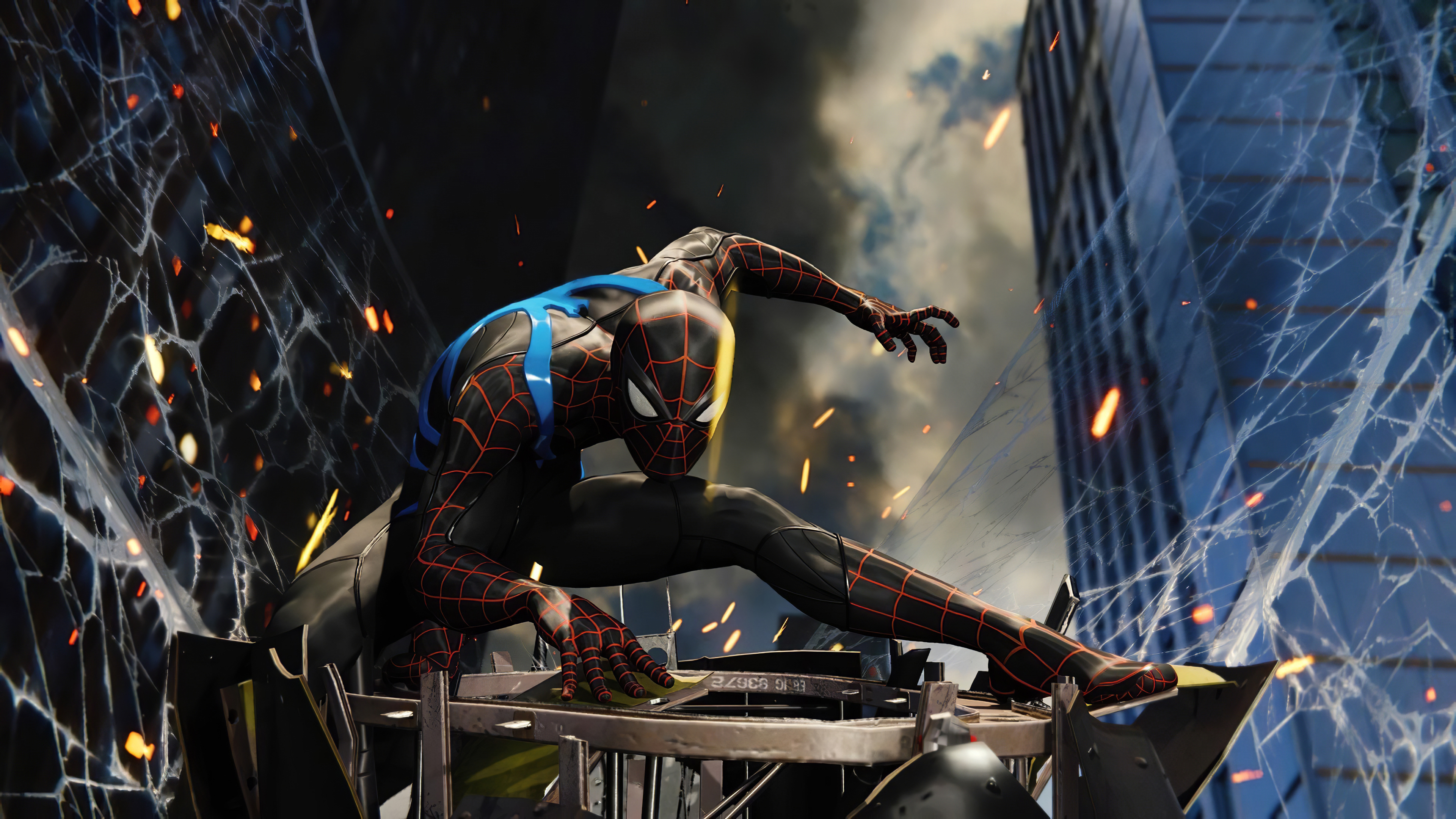 Fondos de pantalla El hombre araña con traje negro y azul