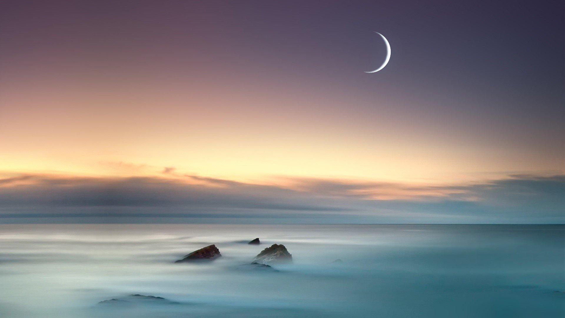 Fondos de pantalla El mar y la luna