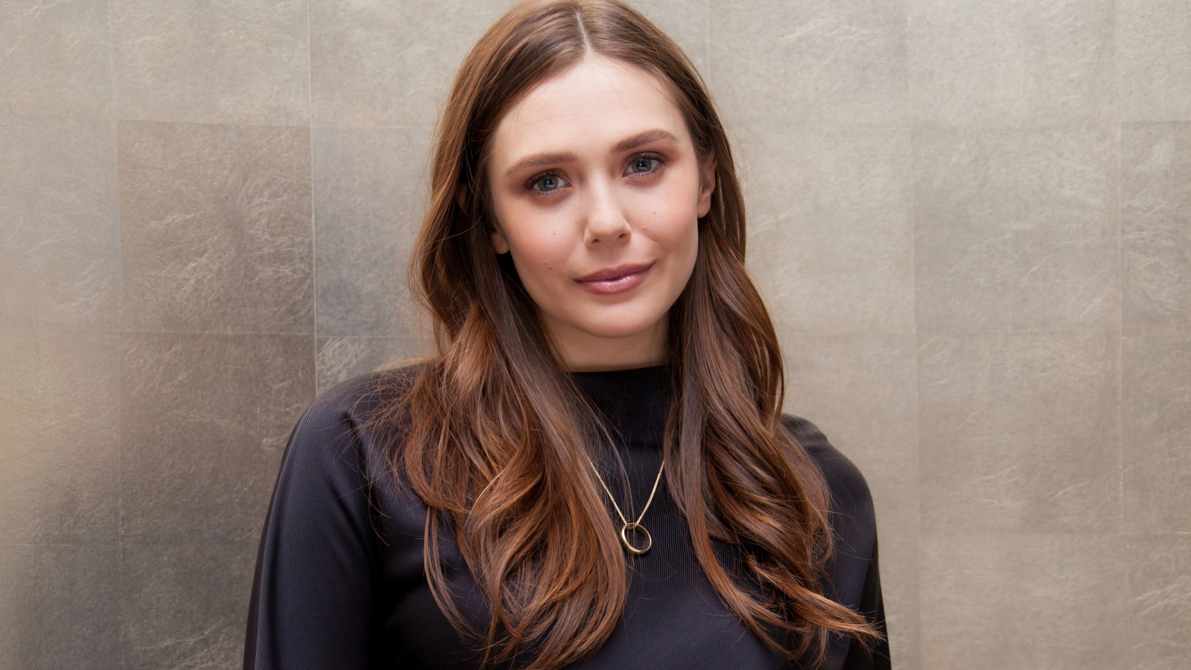 Wallpaper Elizabeth Olsen 2021