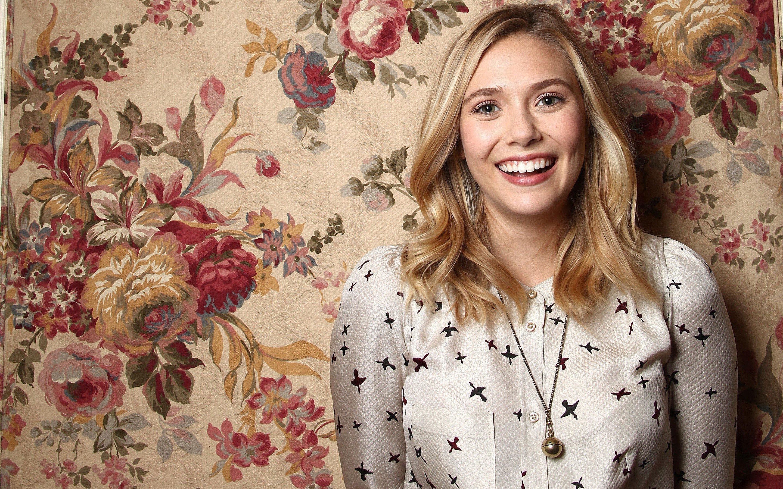 Fondos de pantalla Elizabeth Olsen y flores