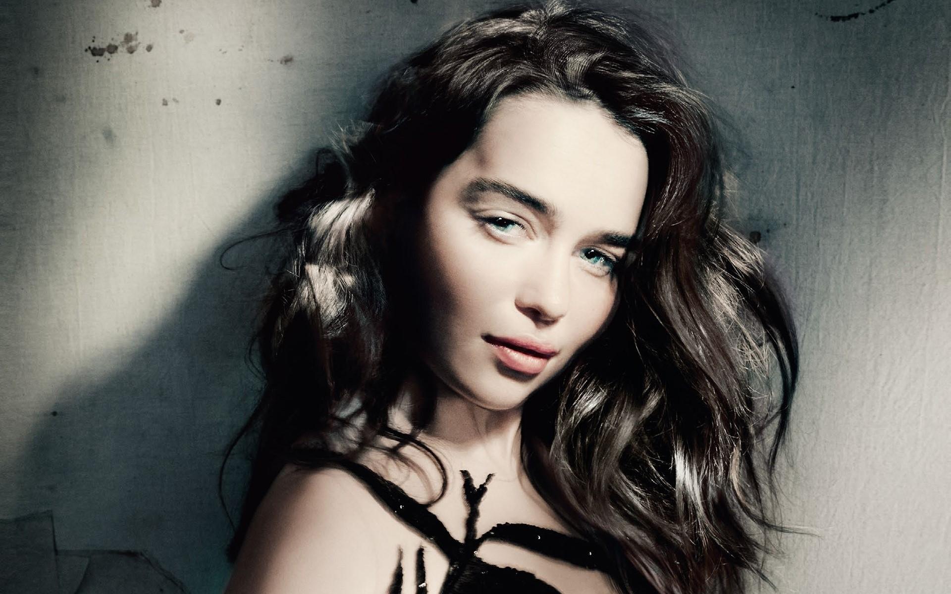 Wallpaper Emilia Clarke chestnut