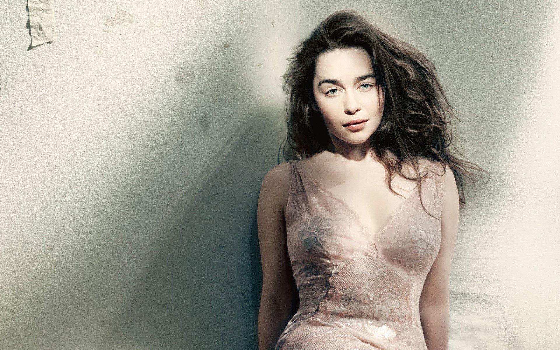 Fondo de pantalla de Emilia Clarke para Vogue Imágenes
