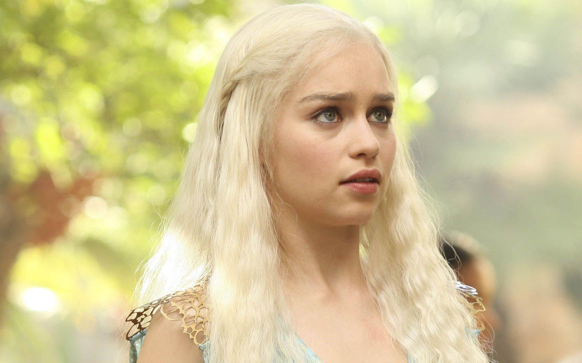 Fondos de pantalla Emilia Clarke rubia