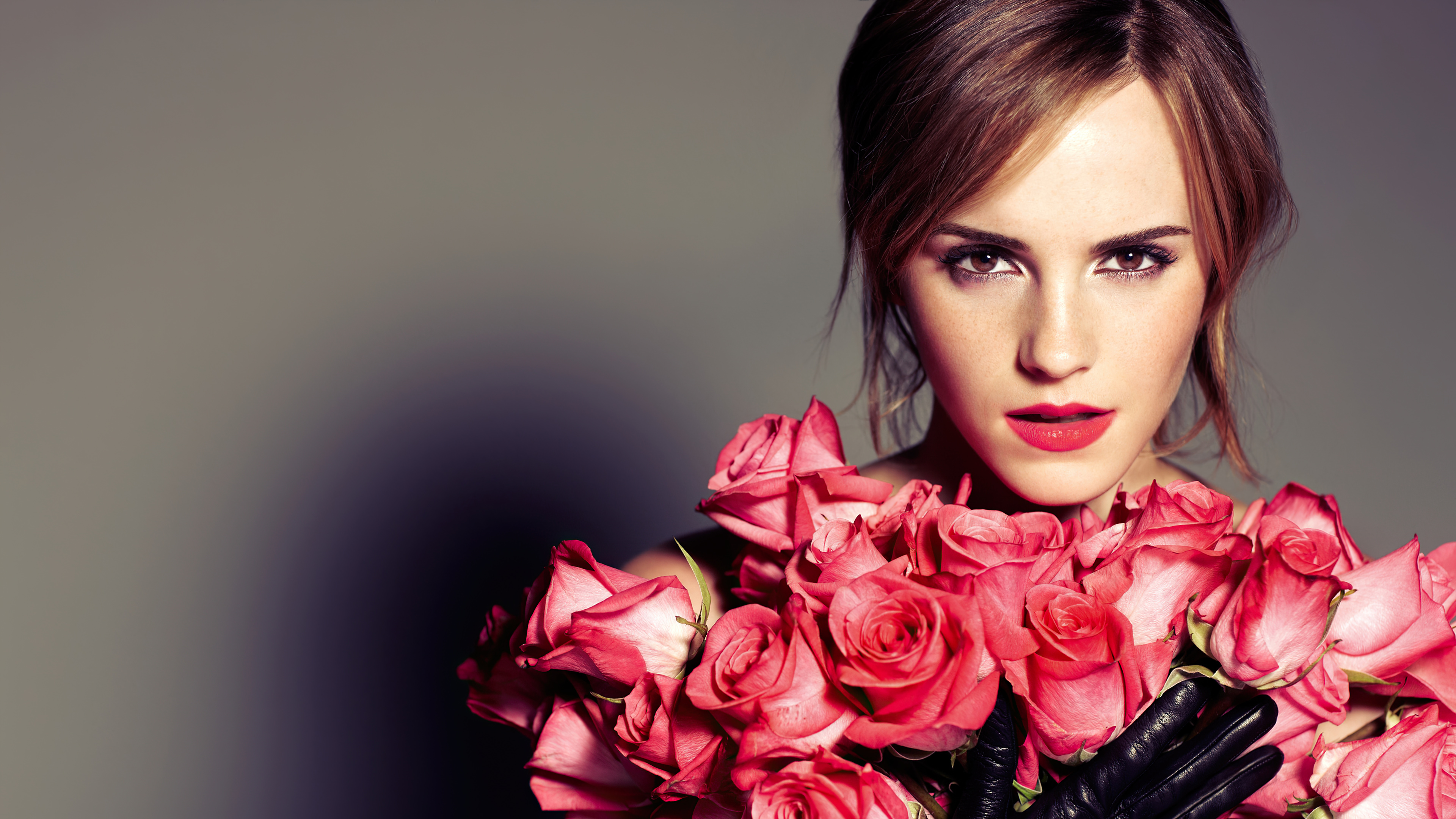 Wallpaper Emma Watson with  roses