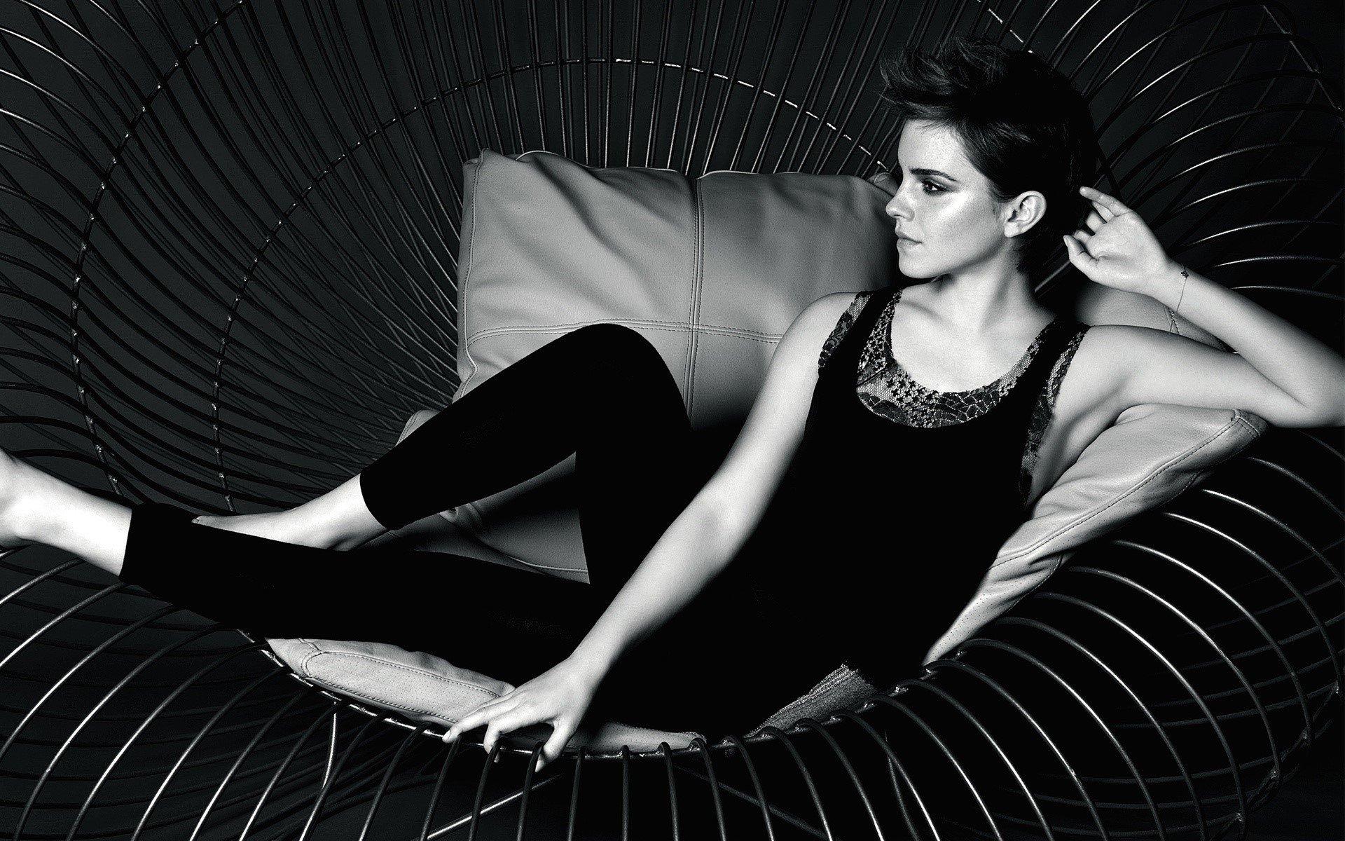 Fondo de pantalla de Emma Watson en una silla Imágenes
