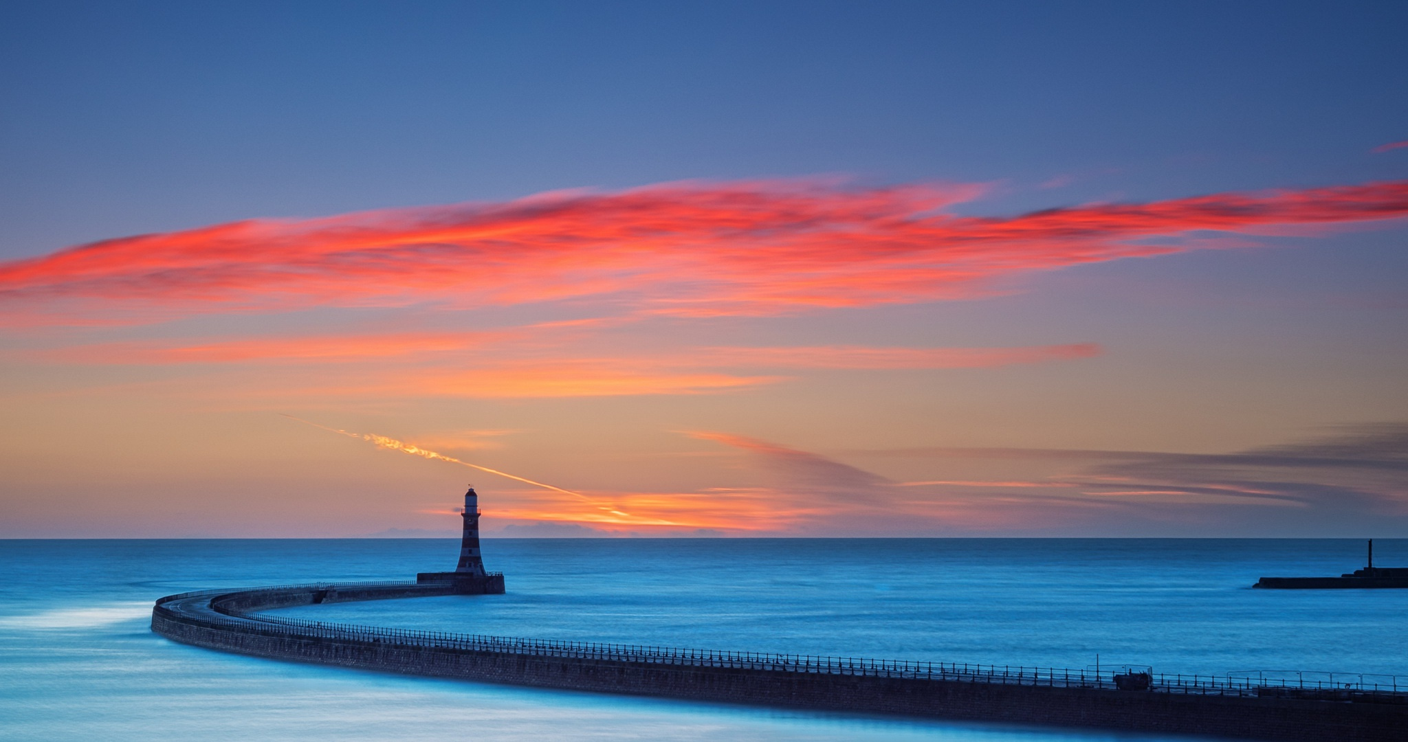 Wallpaper Lighthouse with sky at sunset