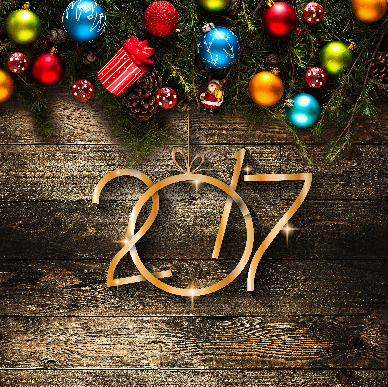 Fondo de pantalla de Feliz año 2017 con adornos navideños Imágenes